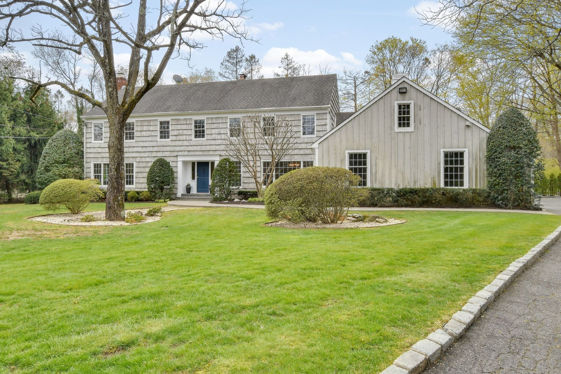 Single Family Homes for Active at Syosset 35 Towl Gate Lane Syosset, New York 11791 United States