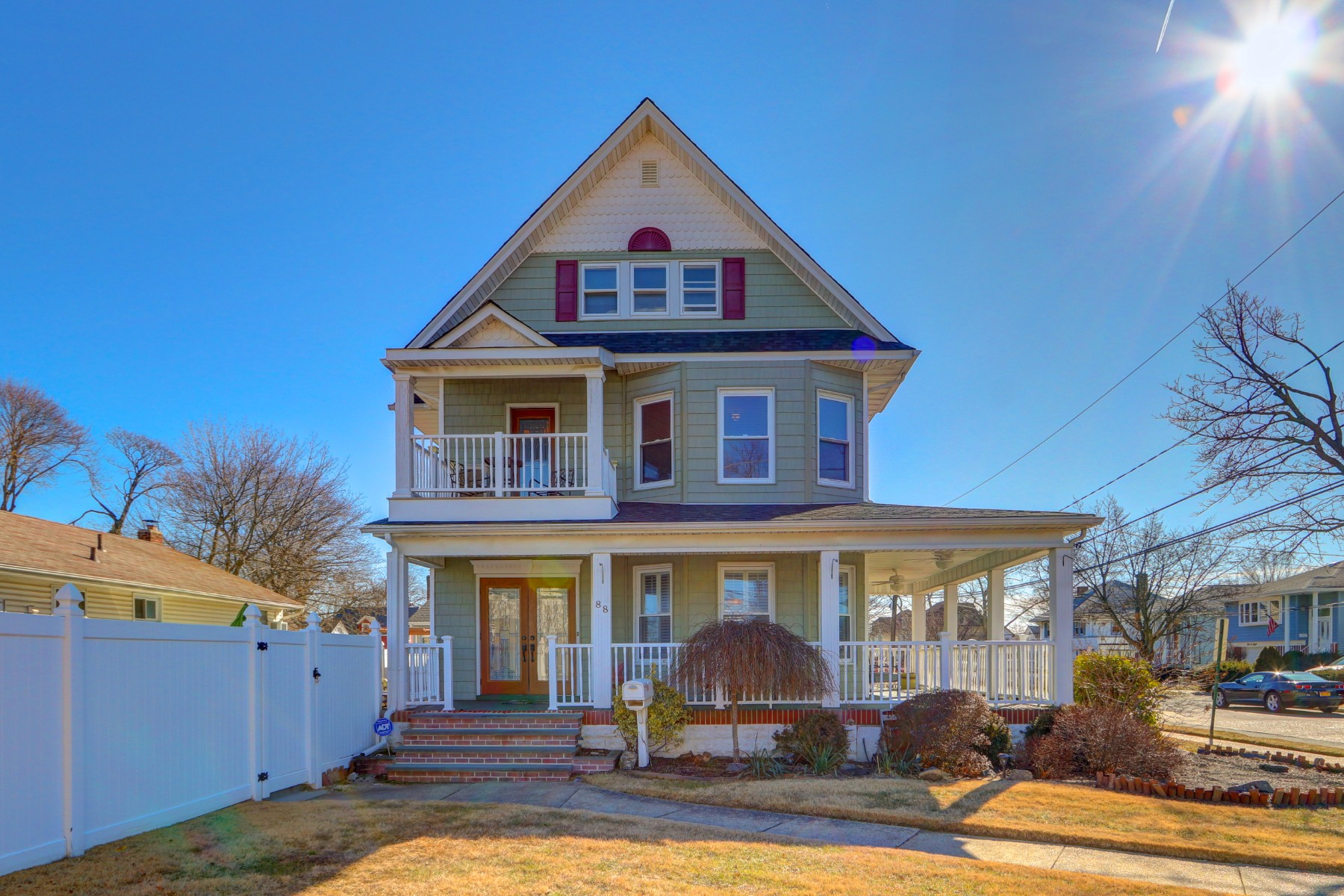 Single Family Homes för Försäljning vid Lynbrook 88 Union Ave, Lynbrook, New York 11563 Förenta staterna
