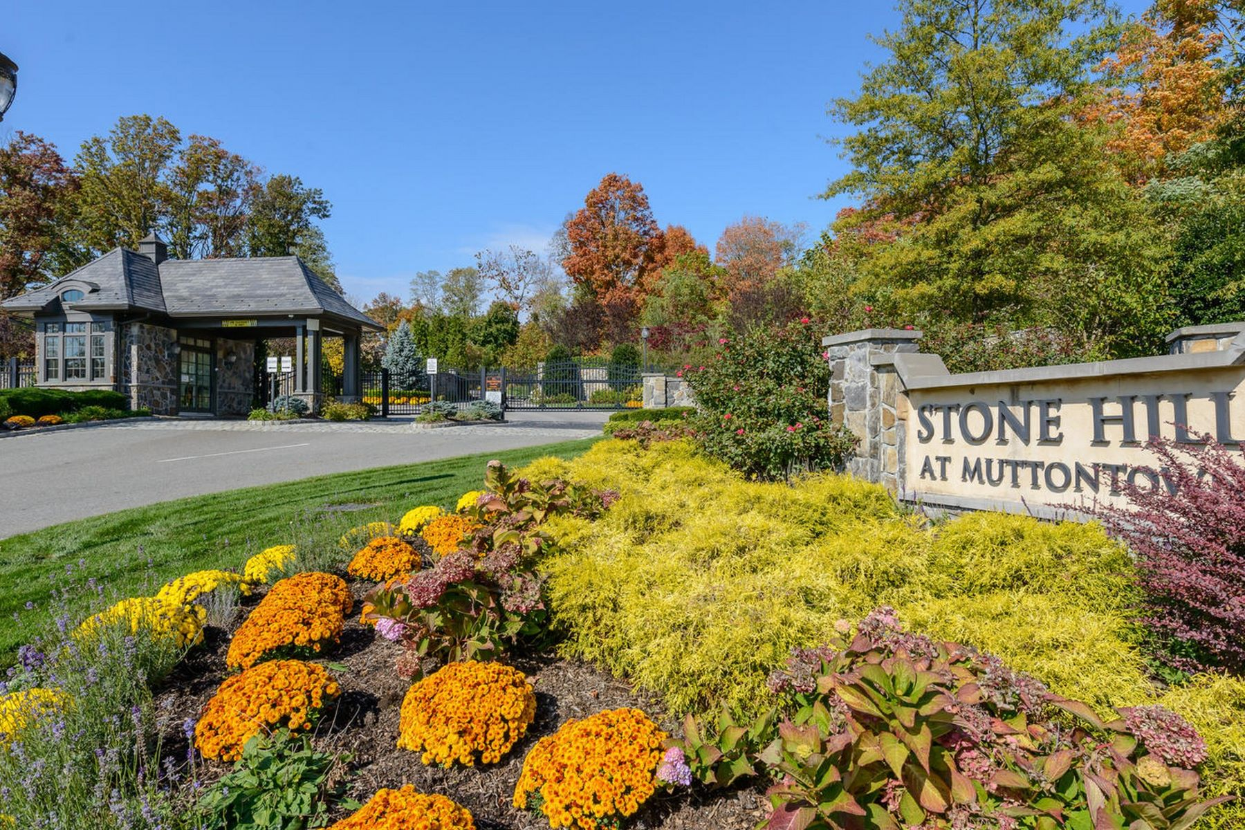 Land for Active at Muttontown 15 Lots Stone Hill Muttontown, New York 11791 United States