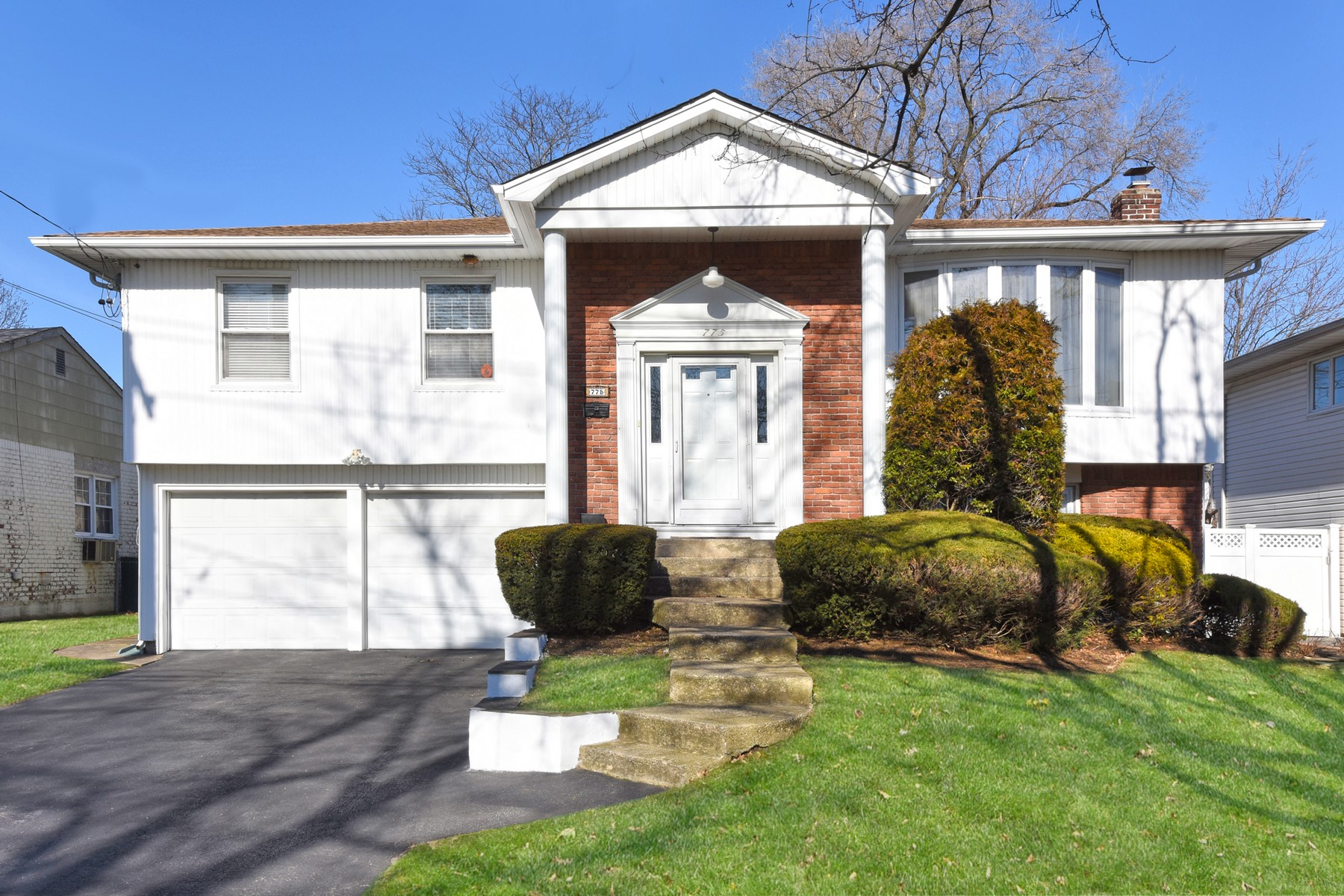 Single Family Homes for Active at Baldwin 775 Bonnie Dr Baldwin, New York 11510 United States