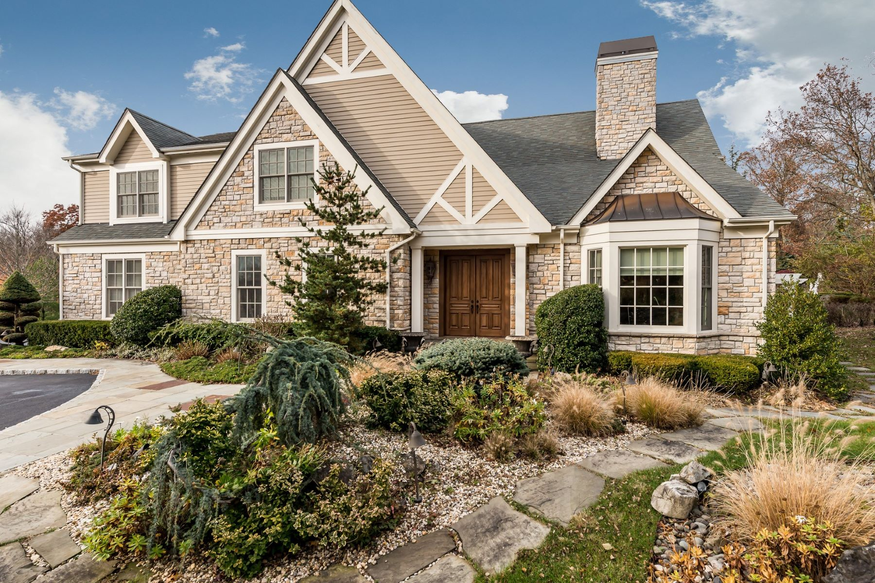 Single Family Homes for Sale at Muttontown 2 Kingwood Court Muttontown, New York 11791 United States