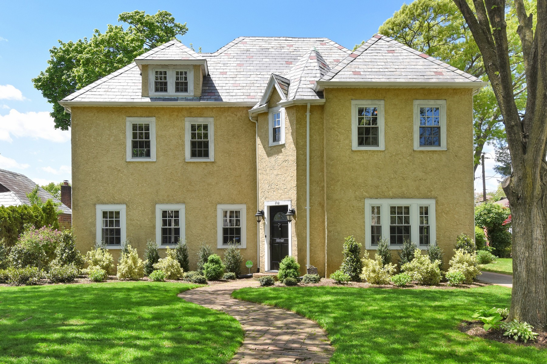 Single Family Homes for Sale at Garden City 102 Lee Rd Garden City, New York 11530 United States