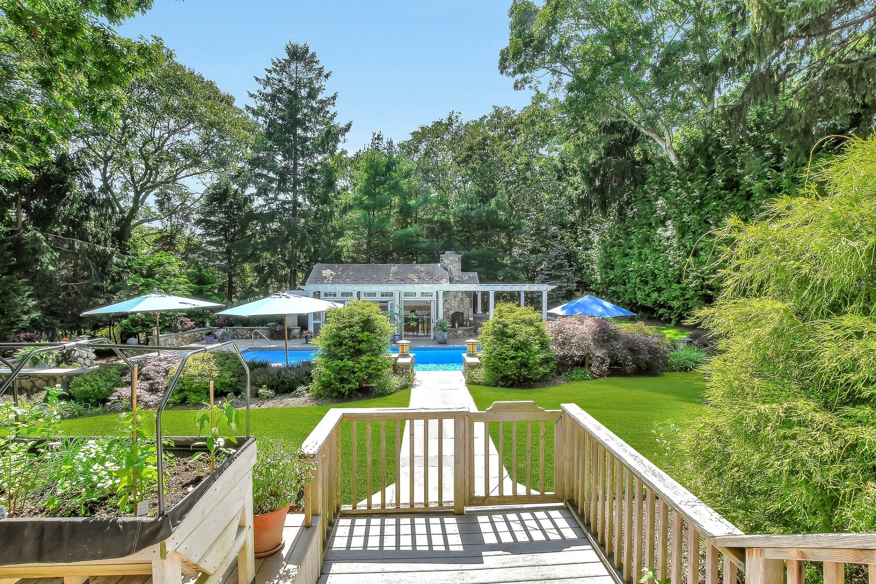 Additional photo for property listing at Cutchogue 5270 Nassau Point Rd Cutchogue, New York 11935 United States