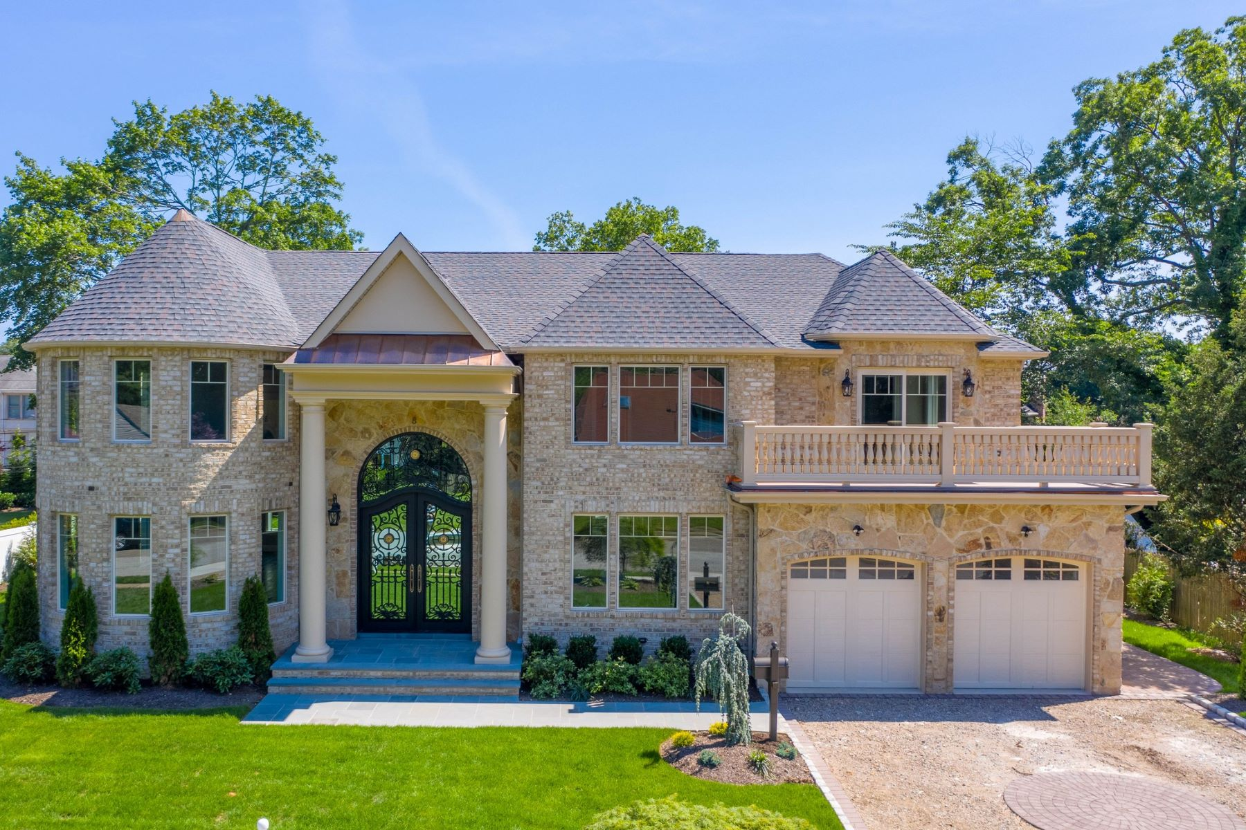 Single Family Homes for Active at Roslyn Heights 8 Clover Ln Roslyn Heights, New York 11577 United States