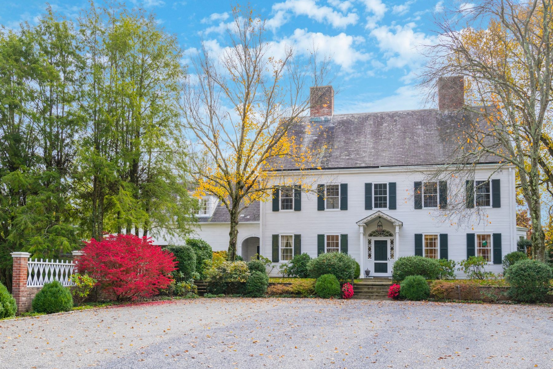 Single Family Homes for Sale at Oyster Bay Cove 45 Shutter Lane Oyster Bay Cove, New York 11771 United States