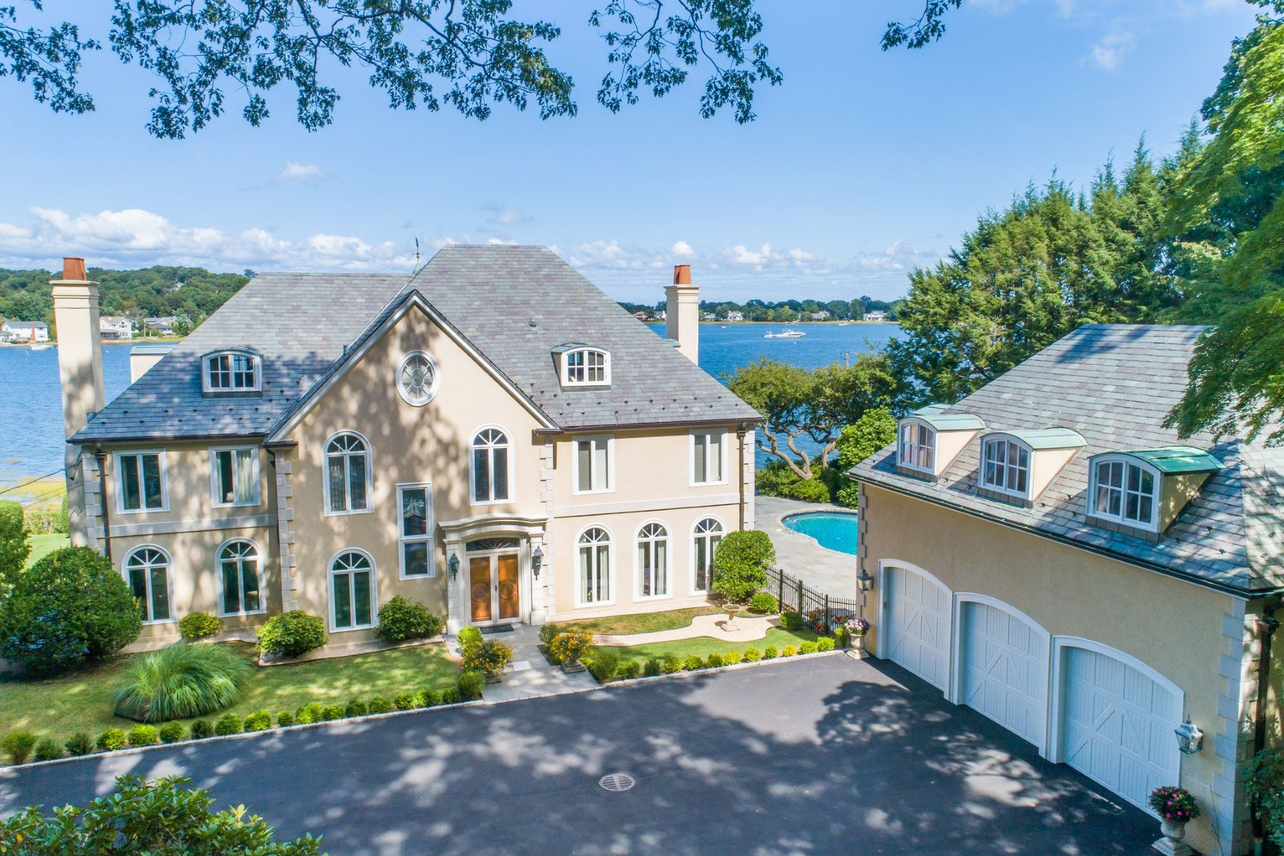 Single Family Homes for Active at Mill Neck 146 Roger Canoe Road Mill Neck, New York 11765 United States