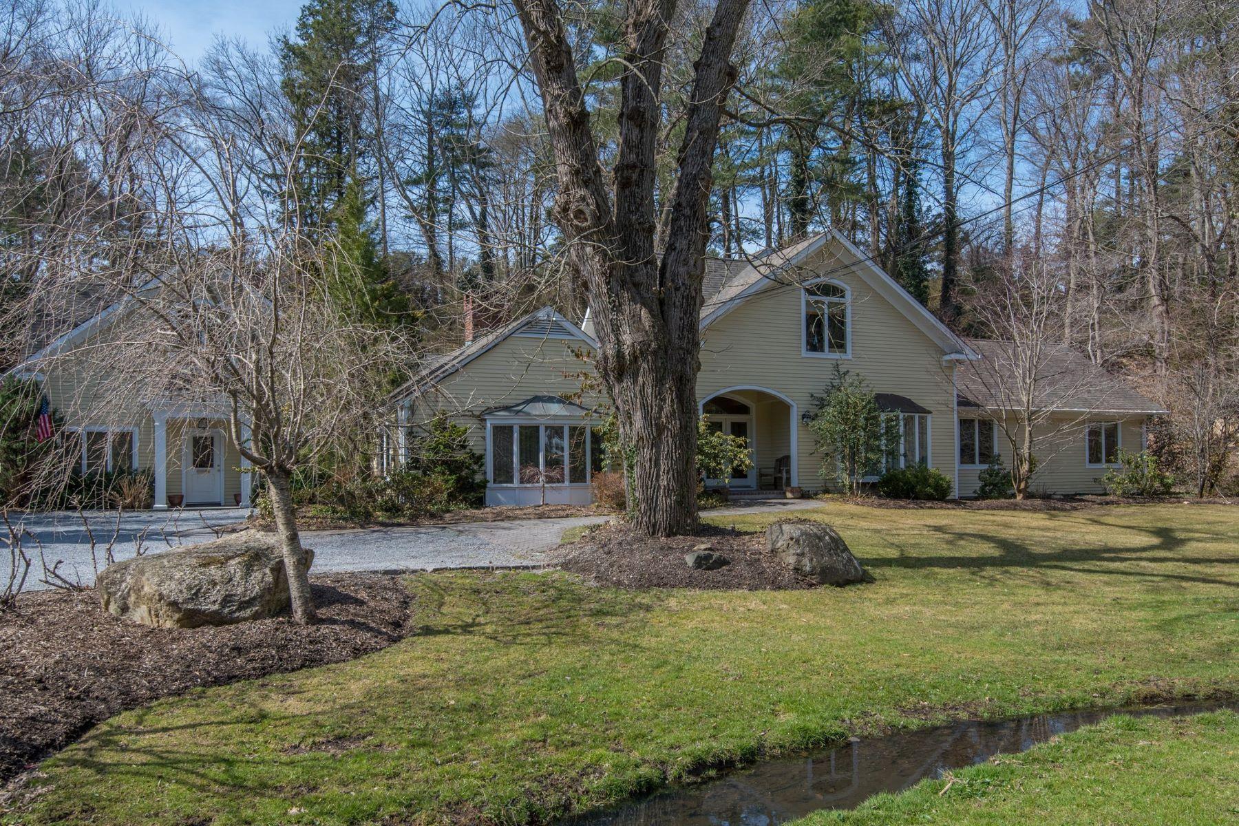 Single Family Homes pour l Vente à Muttontown 345 Mill River Rd, Muttontown, New York 11771 États-Unis