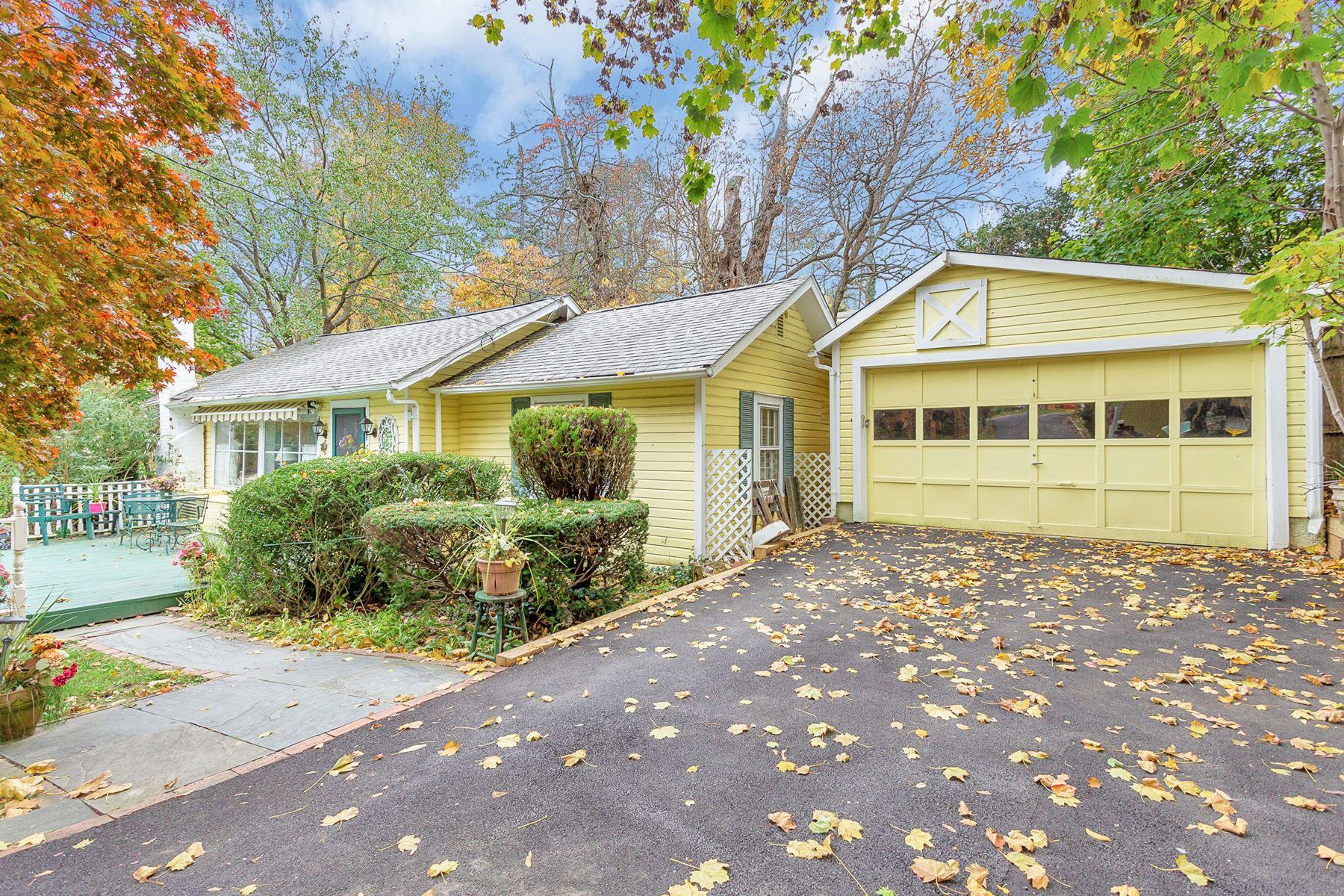Single Family Homes for Active at Glenwood Landing 18 Maple St Glenwood Landing, New York 11547 United States