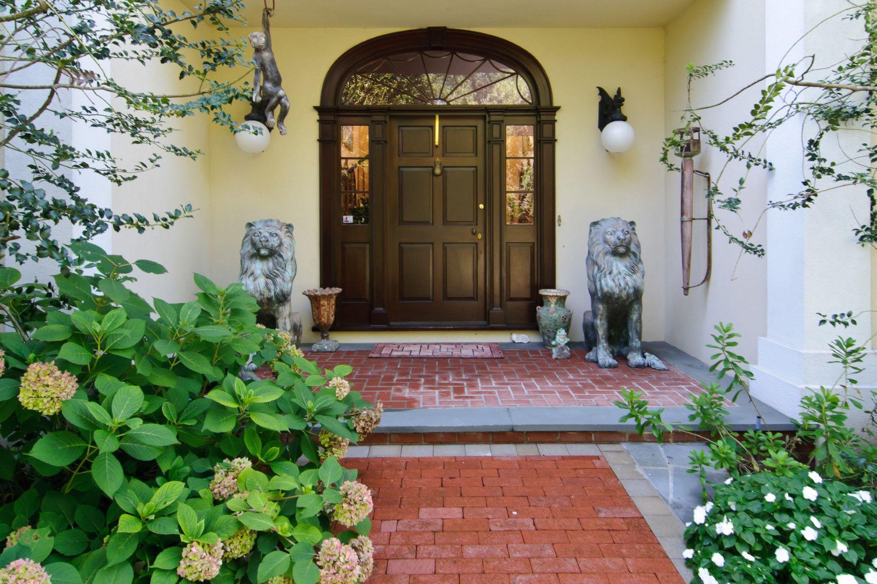 Single Family Homes för Försäljning vid Glen Cove 12 Swan Ct, Glen Cove, New York 11542 Förenta staterna