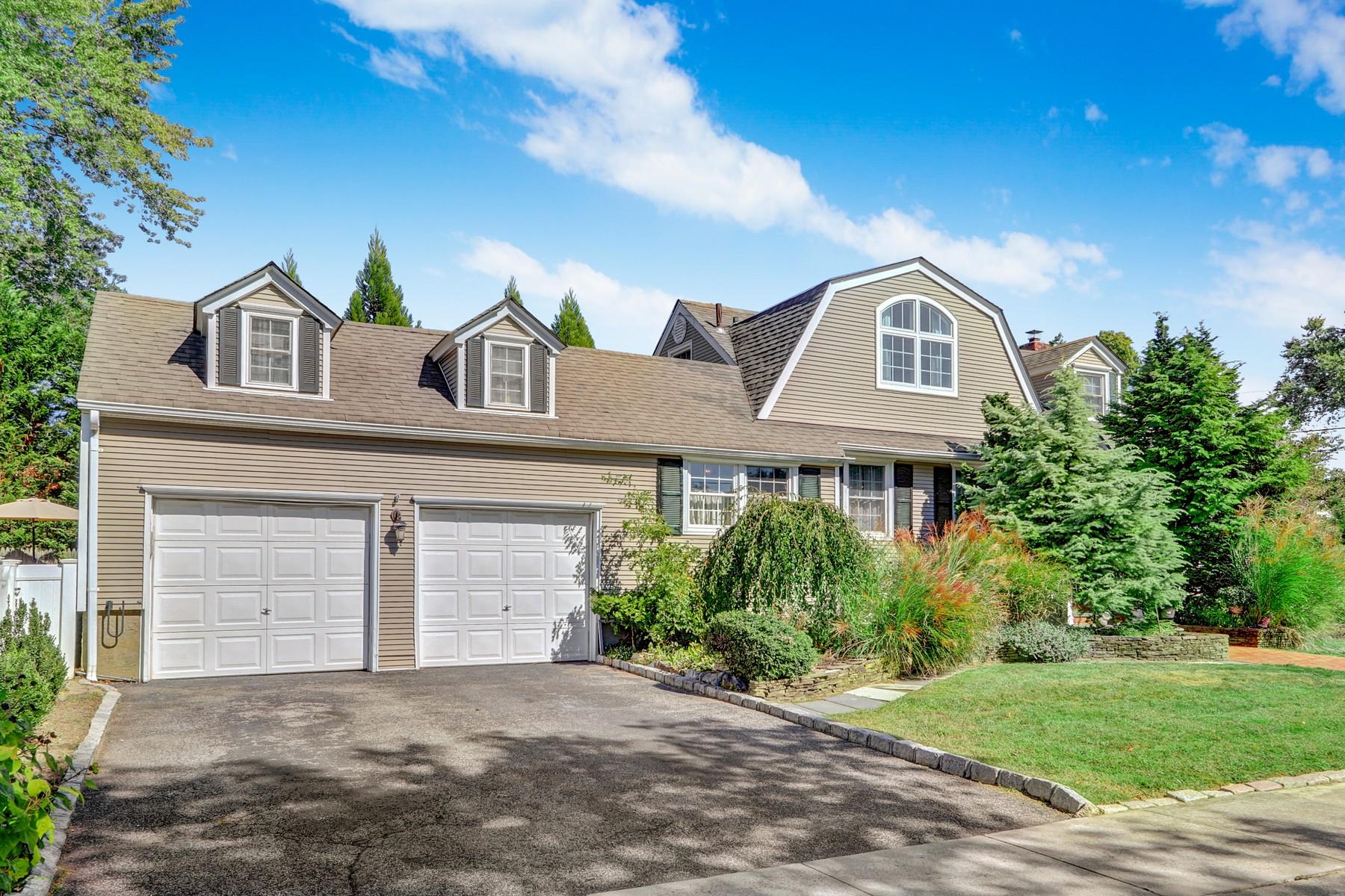 Single Family Homes für Verkauf beim Massapequa 40 Hampton Blvd, Massapequa, New York 11758 Vereinigte Staaten