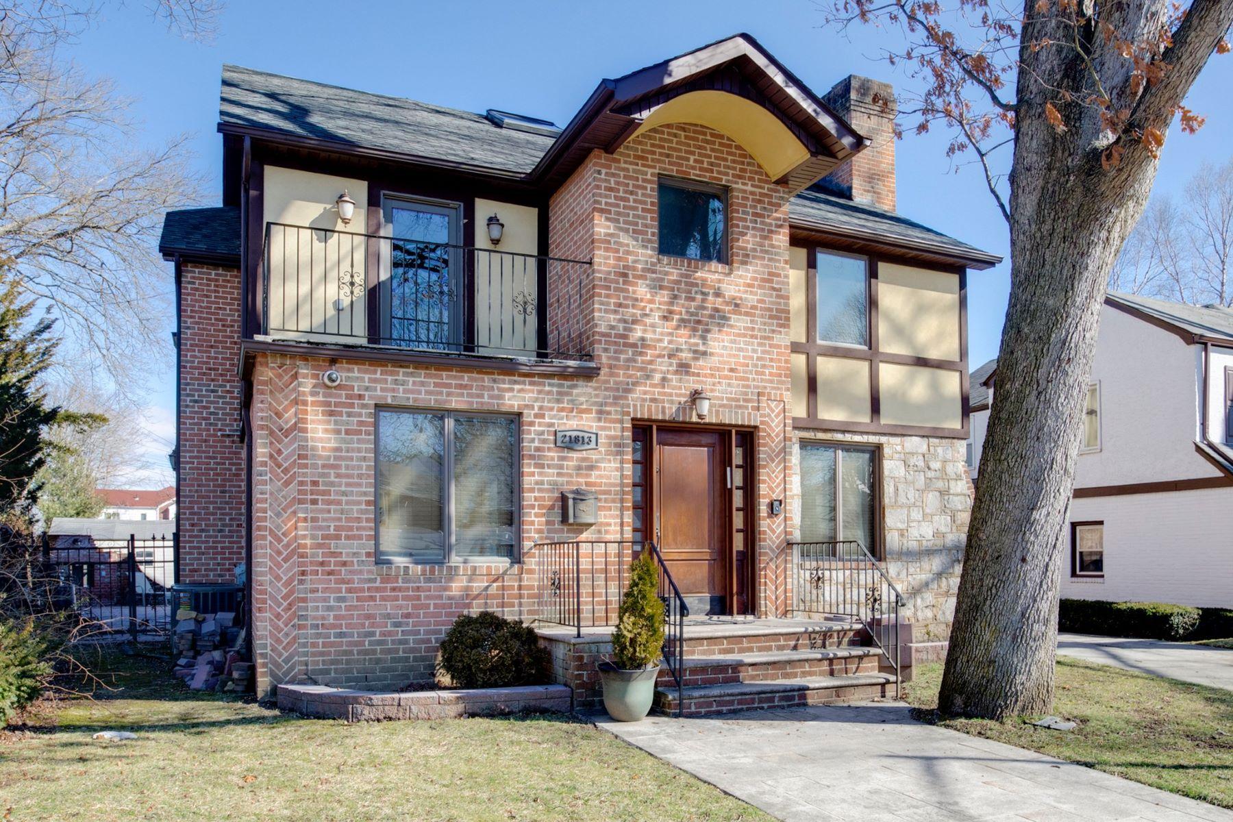 Single Family Homes por un Venta en Hollis Hills 218-13 82 Avenue Queens Village, Nueva York 11427 Estados Unidos