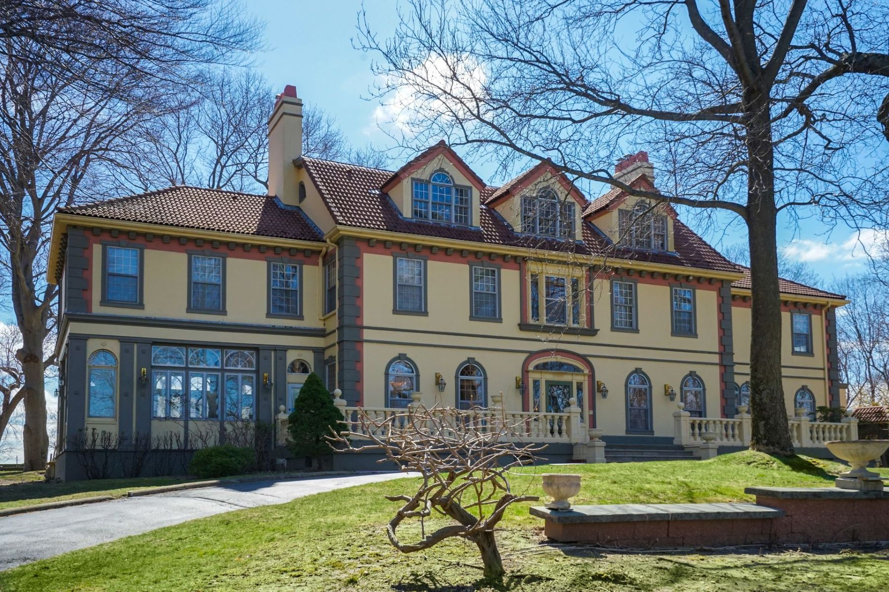Single Family Homes for Sale at Old Field 8 Childs Ln Old Field, New York 11733 United States