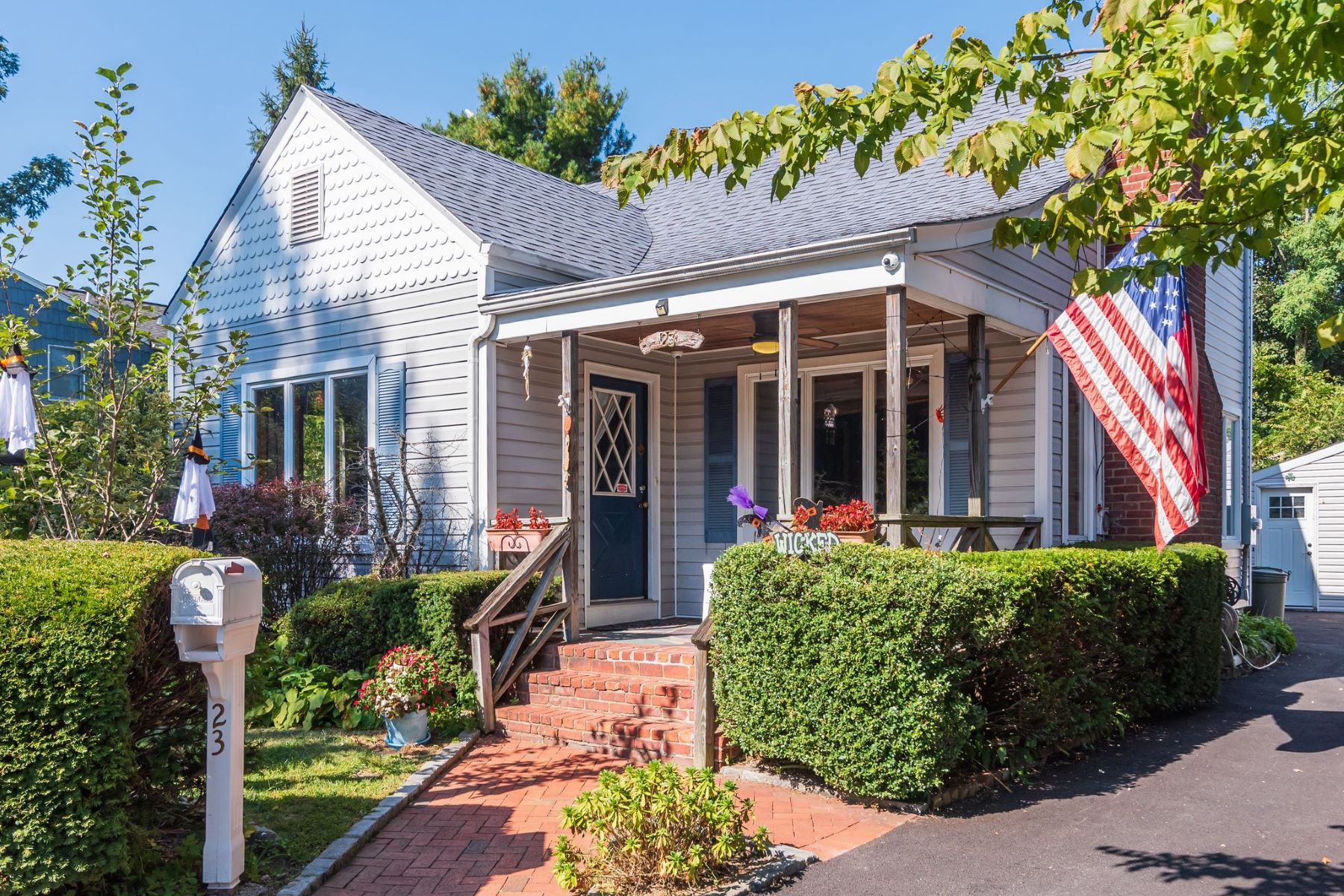 Single Family Homes for Active at Bayville 23 Wansor Ave Bayville, New York 11709 United States