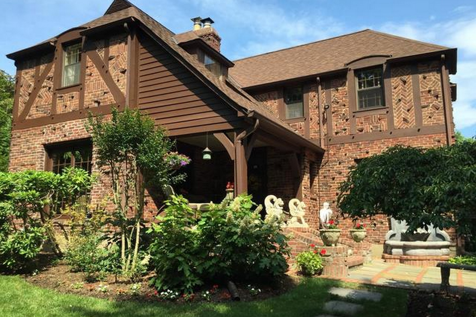 Single Family Homes for Active at Huntington Bay 312 Bay Ave Huntington Bay, New York 11743 United States