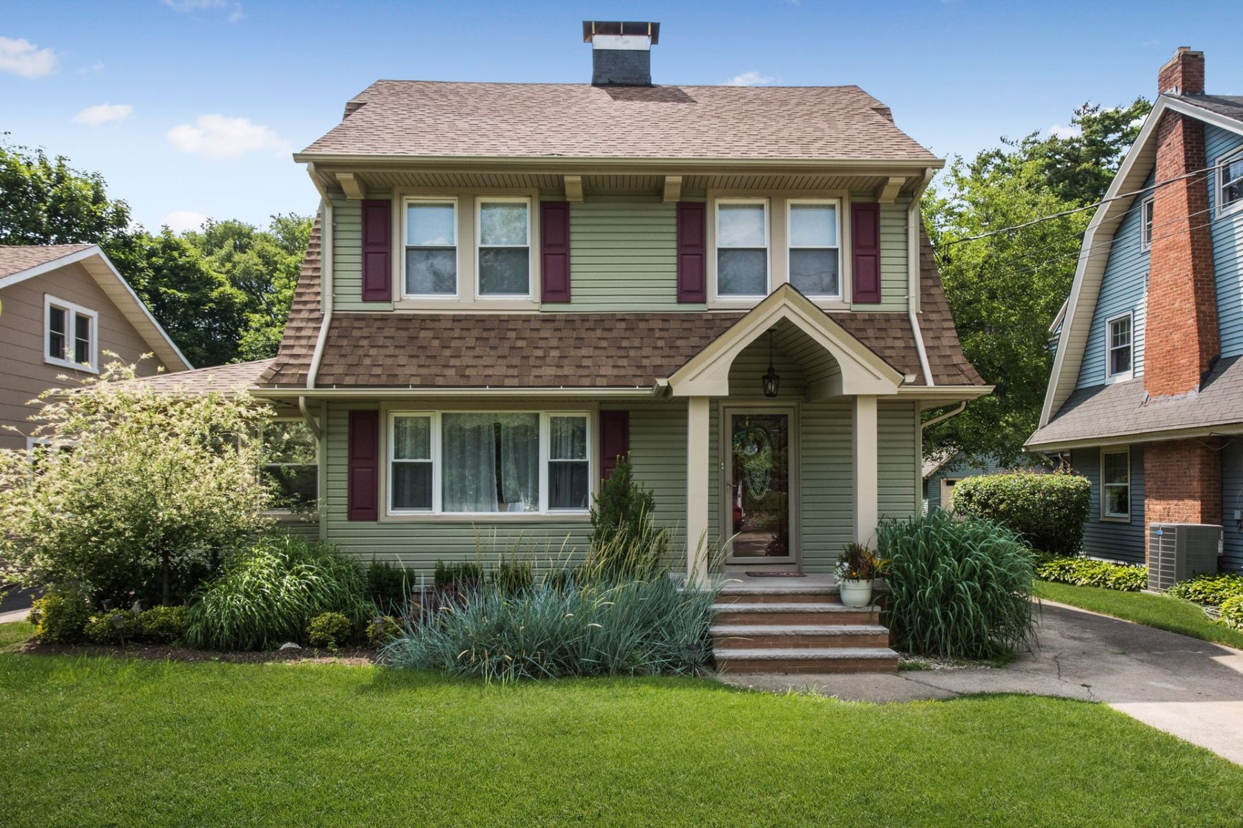 Single Family Homes for Sale at Baldwin 2630 Harrison Ave Baldwin, New York 11510 United States