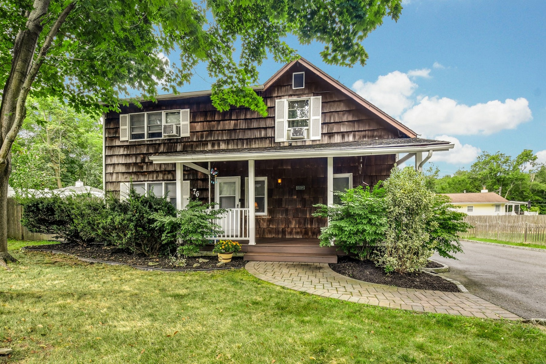 Single Family Homes for Active at Kings Park 76 Magnolia Dr Kings Park, New York 11754 United States