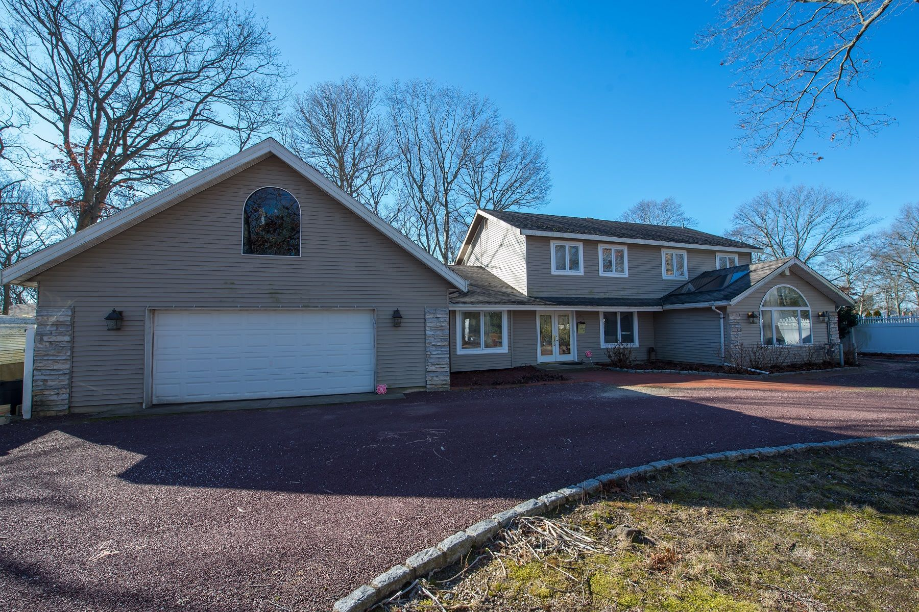 Single Family Homes for Active at Lake Grove 10 Russet Ln Lake Grove, New York 11755 United States