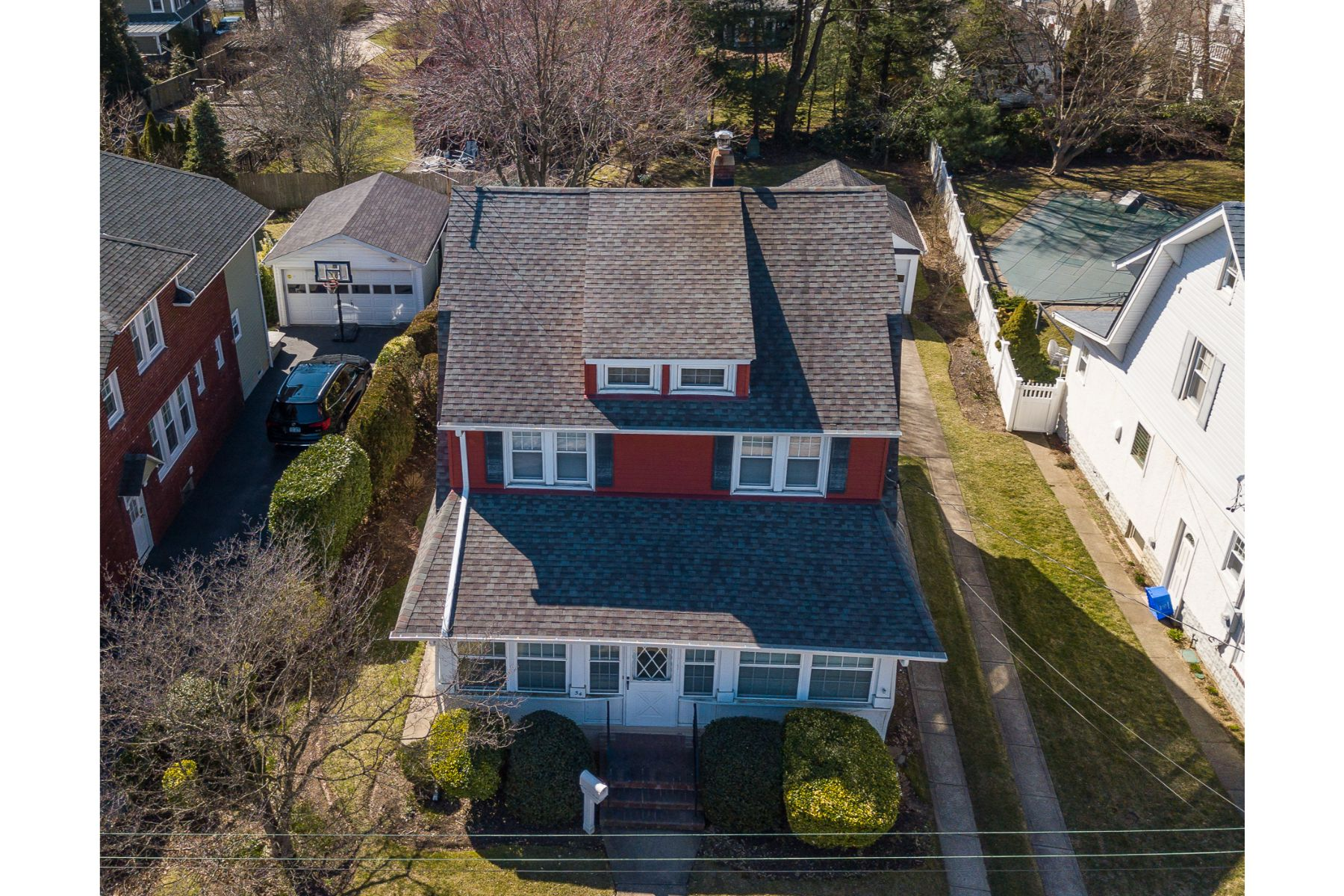 Single Family Homes for Sale at Lynbrook 54 Clinton Avenue Lynbrook, New York 11563 United States