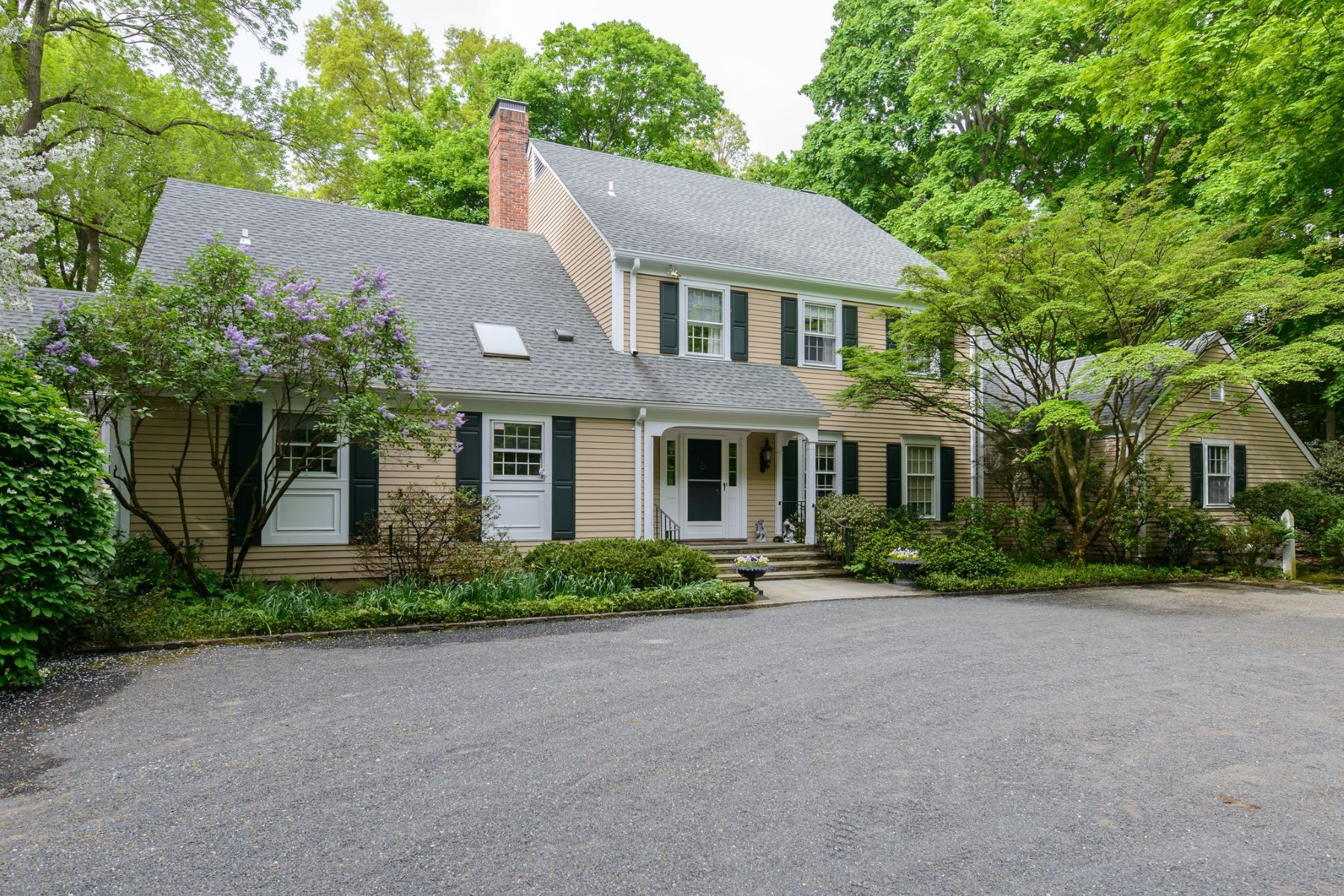 Single Family Homes for Active at Locust Valley 4 Cherrywood Rd Locust Valley, New York 11560 United States