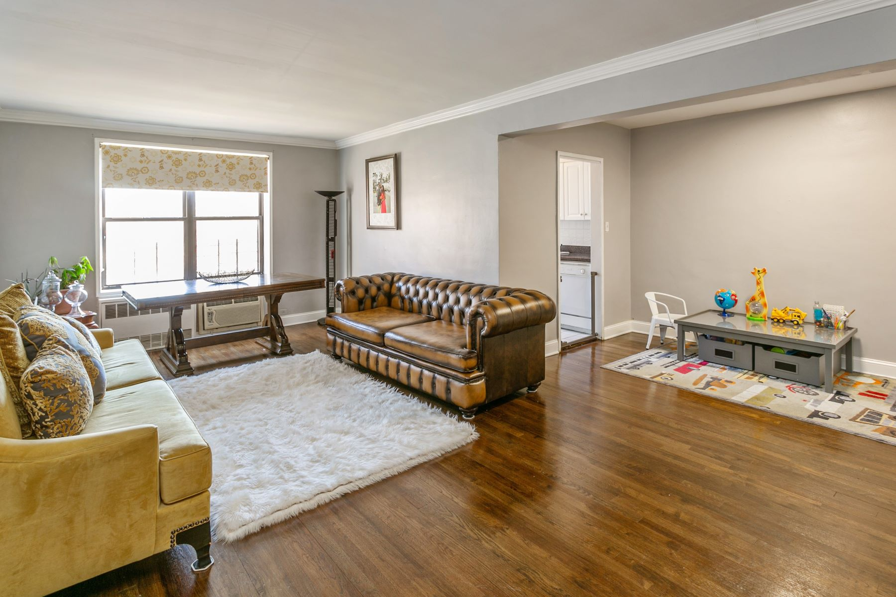 Co-op Properties for Sale at Queens Village 80-35 Springfield Blvd , 4P Queens Village, New York 11427 United States
