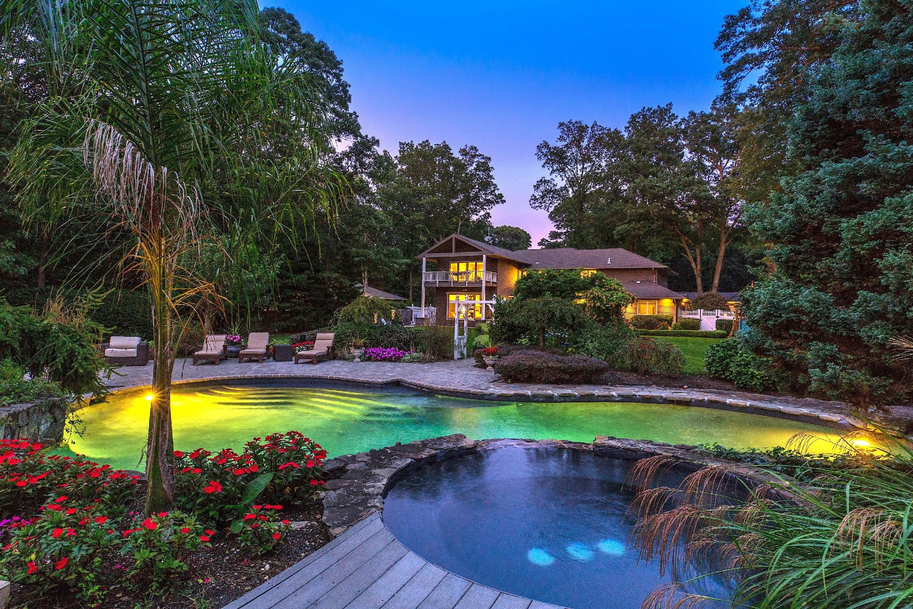 Single Family Homes 為 出售 在 Dix Hills 19 Winter Ln, Dix Hills, 纽约 11746 美國