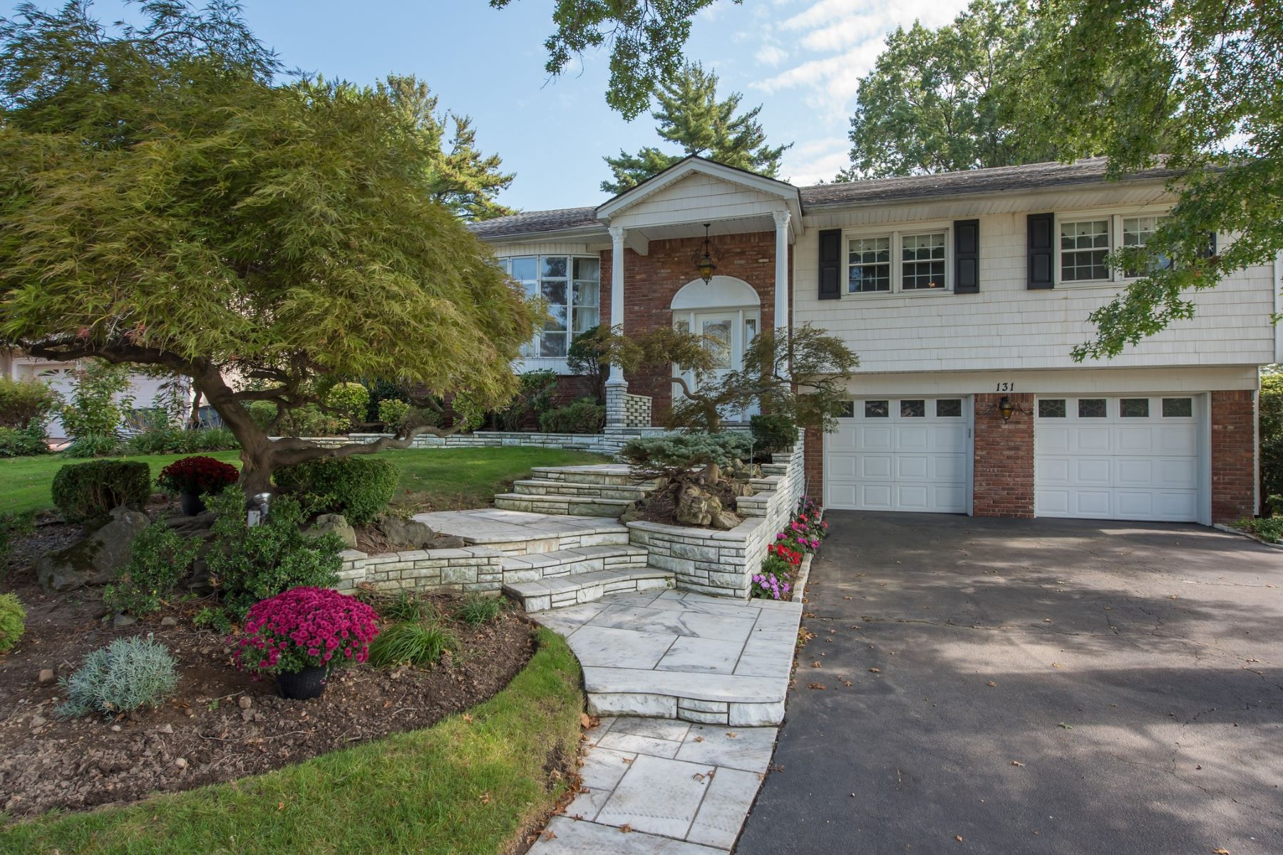 Single Family Homes for Active at Manhasset Hills 131 Monterey Dr Manhasset Hills, New York 11040 United States