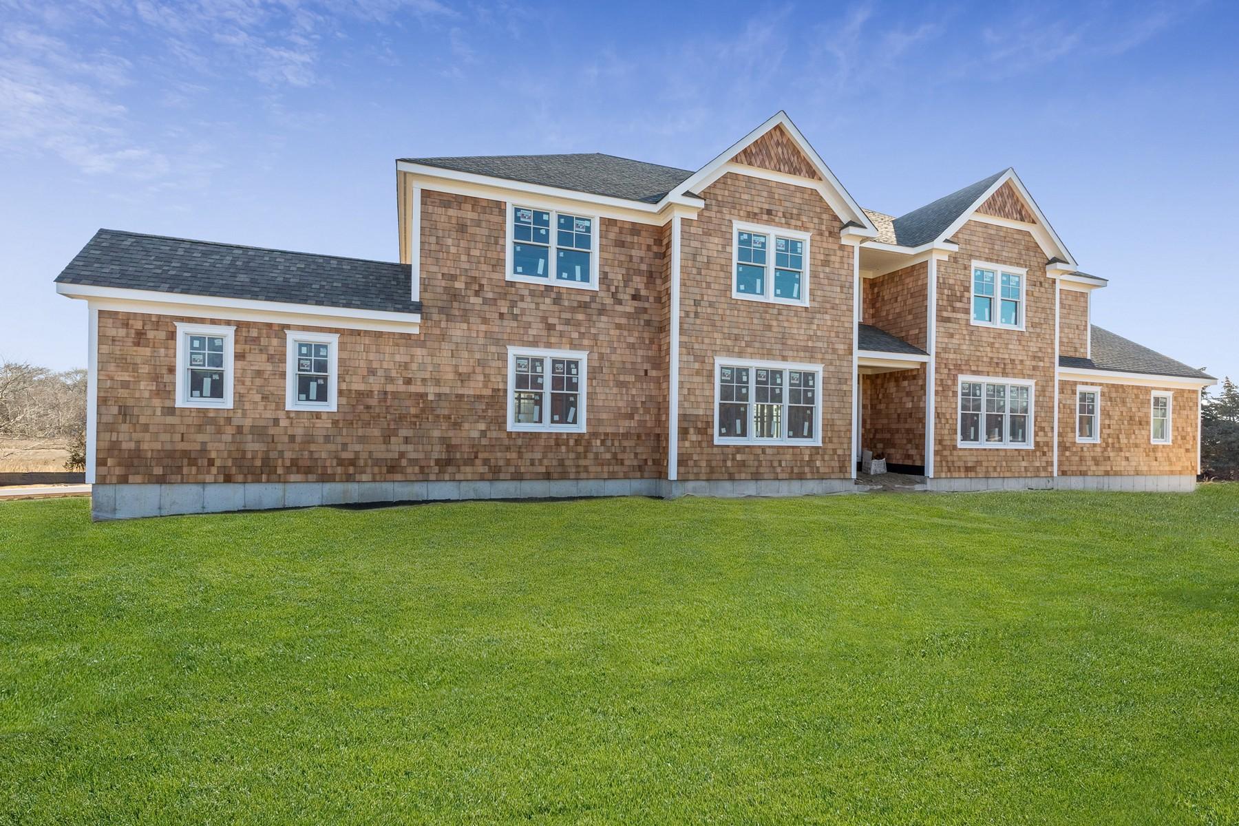 Single Family Homes 為 出售 在 Westhampton 6 Brushy Neck Ln, Westhampton, 纽约 11977 美國