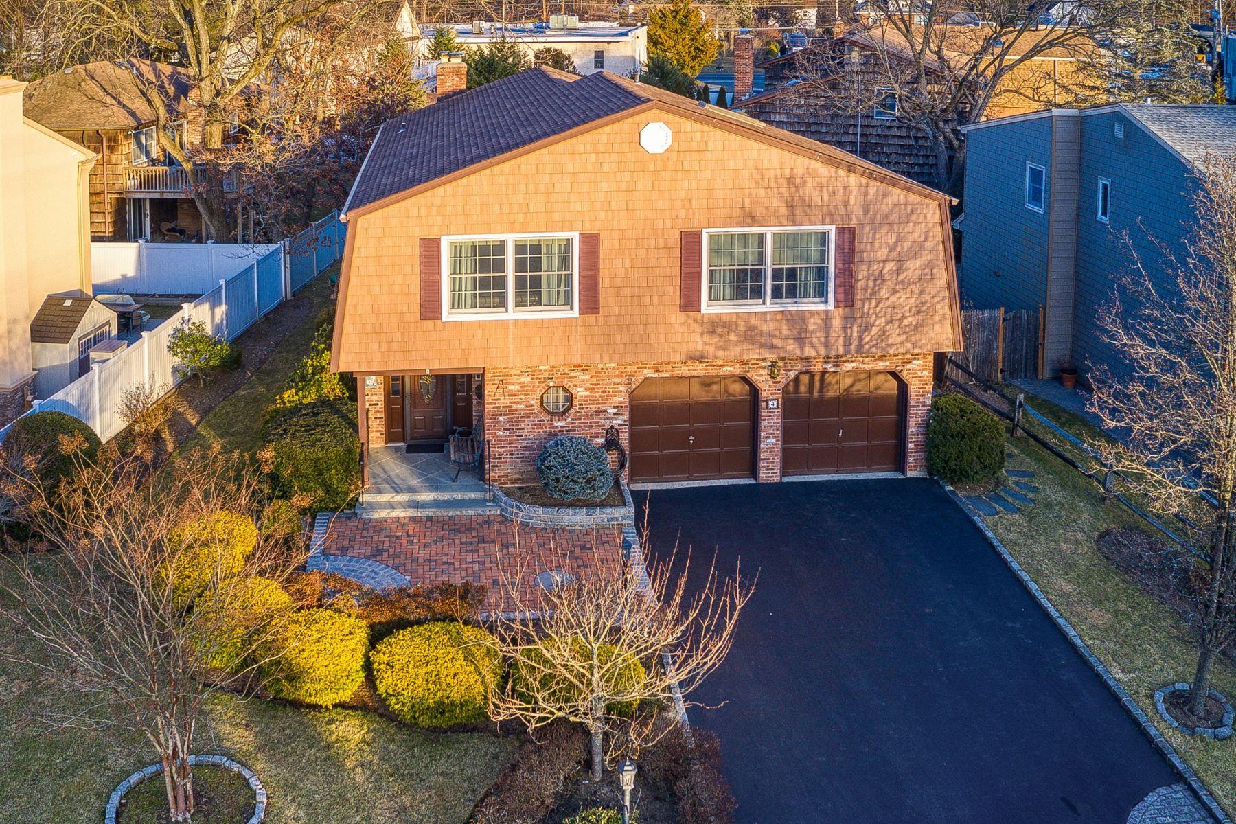 Single Family Homes for Sale at Glen Head 4 Old Farm Court Glen Head, New York 11545 United States