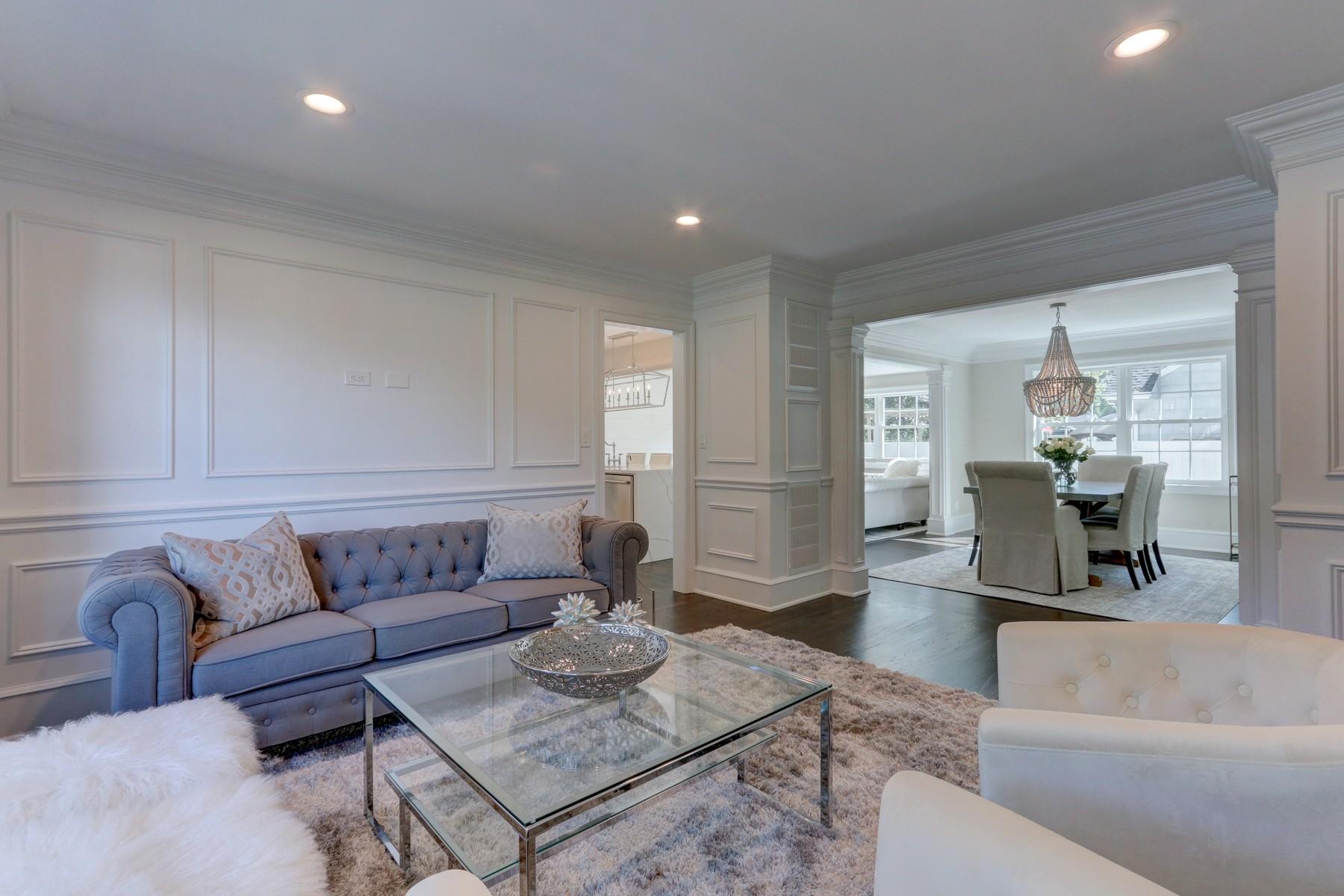 Single Family Homes für Verkauf beim Massapequa 120 Windsor Pl, Massapequa, New York 11758 Vereinigte Staaten