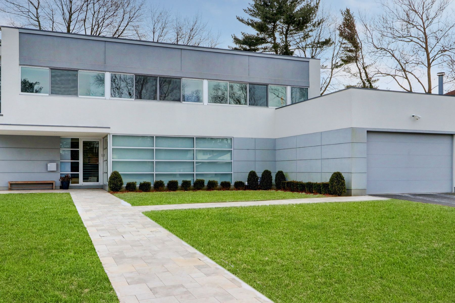 Single Family Homes för Försäljning vid Roslyn Heights 32 Pebble Ln, Roslyn Heights, New York 11577 Förenta staterna