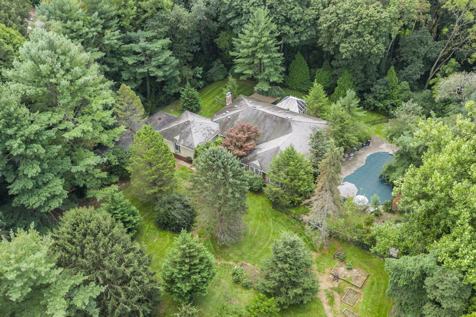 Single Family Homes for Sale at Old Brookville 18 Dolly Cam Ln Old Brookville, New York 11545 United States