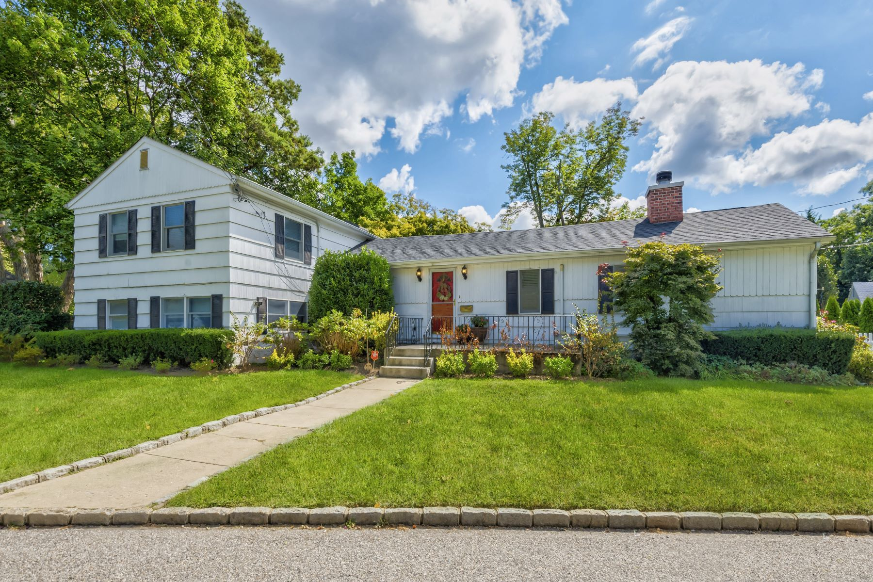 Single Family Homes for Active at Glen Head 56 Glen Cove Drive Glen Head, New York 11545 United States