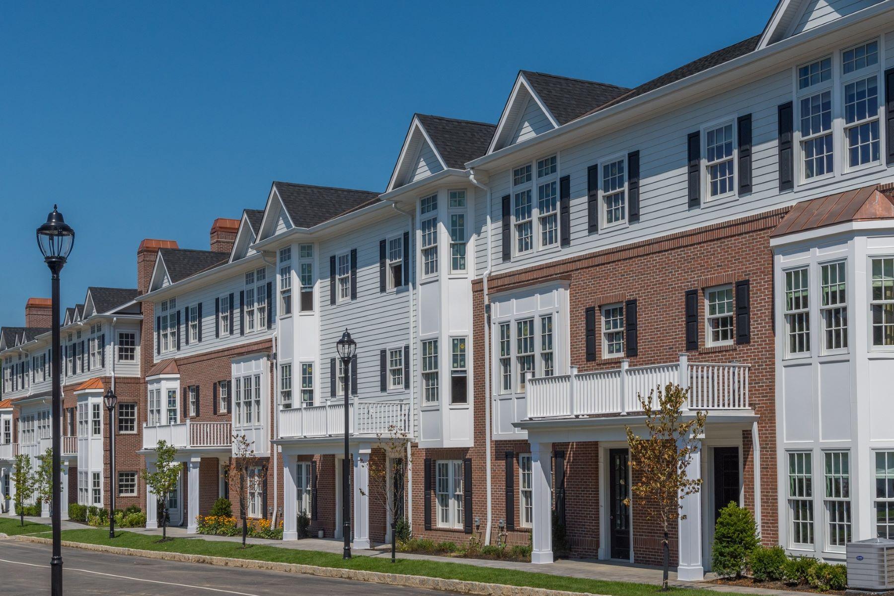 Condominiums für Verkauf beim Roslyn 1006 Mill Creek North , 10-6, Roslyn, New York 11576 Vereinigte Staaten