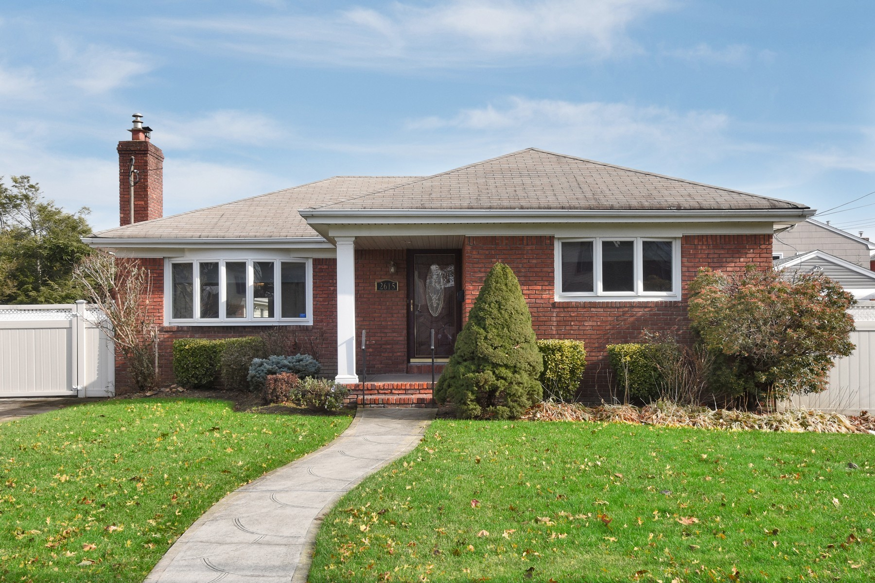 Single Family Homes for Active at Oceanside 2615 Fortesque Oceanside, New York 11572 United States