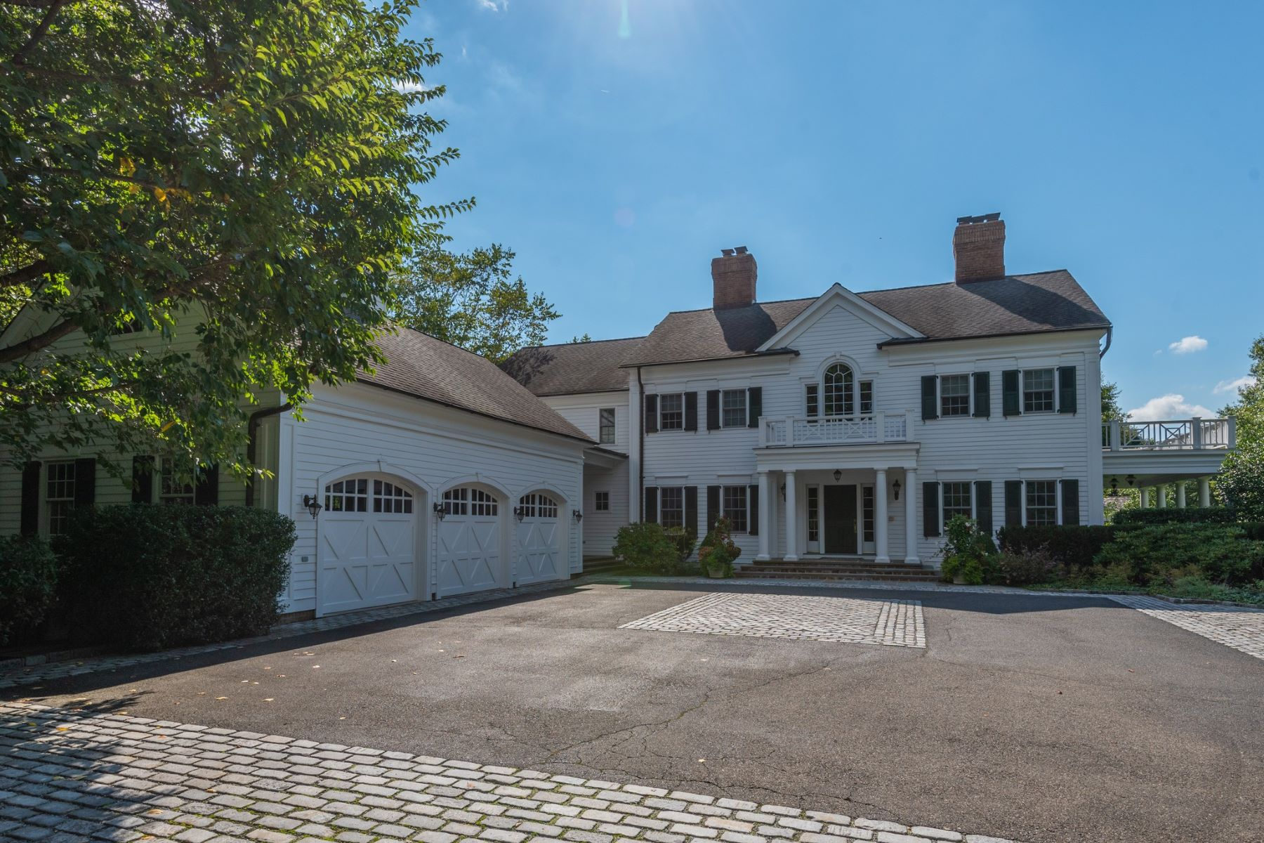 Single Family Homes for Sale at Old Westbury 2 Old Wagon Lane Old Westbury, New York 11568 United States
