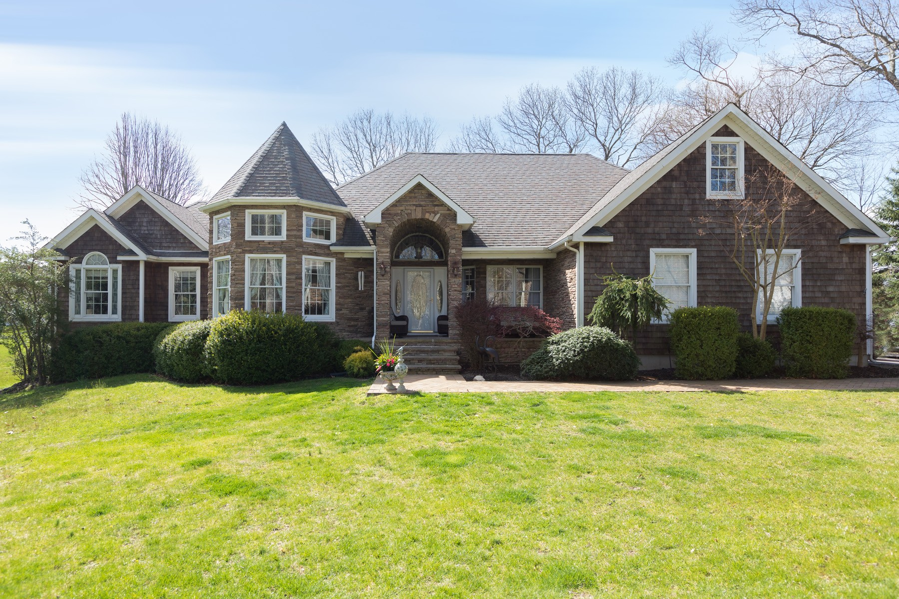 Single Family Homes for Active at Riverhead 2 Mallard Court Riverhead, New York 11901 United States