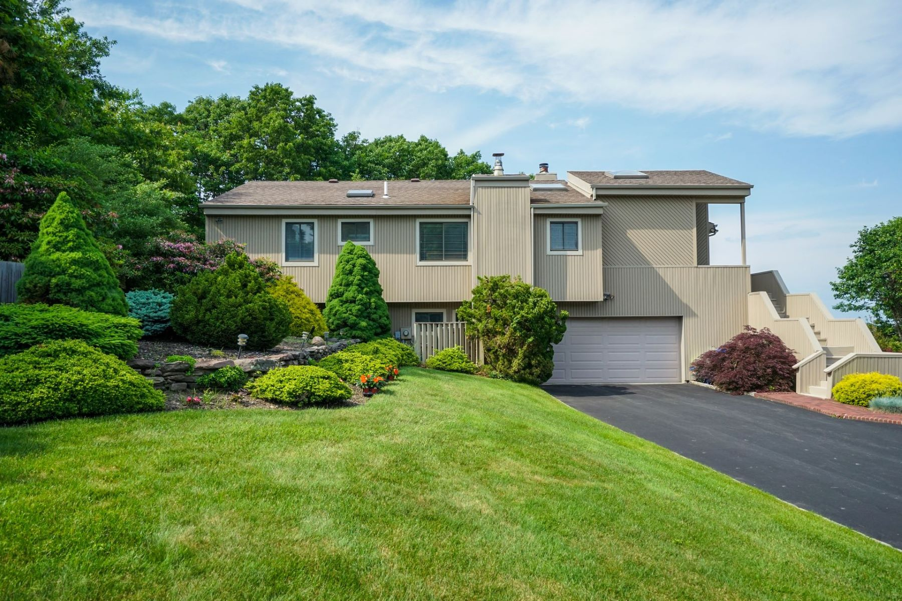 Single Family Homes for Active at Port Jefferson 123 Nadia Ct Port Jefferson, New York 11777 United States