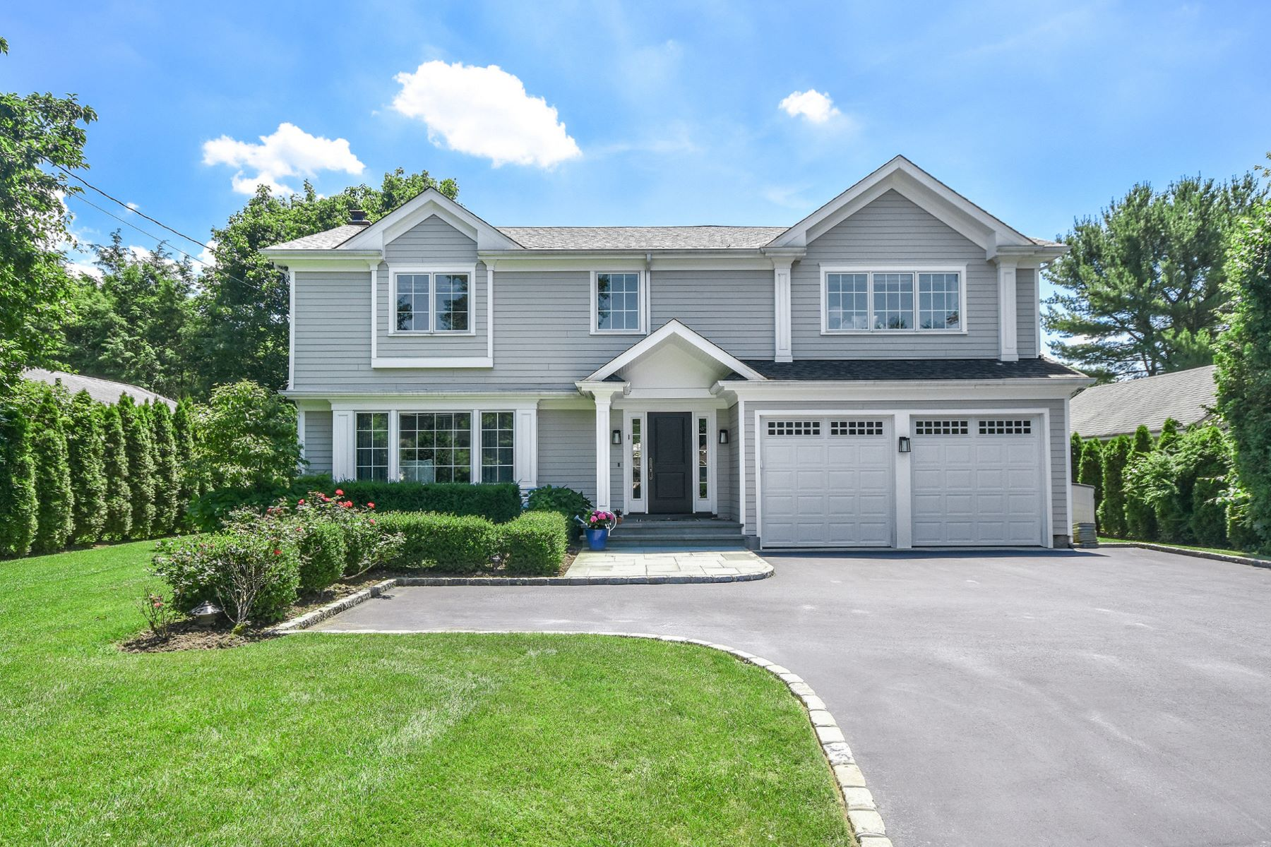 Single Family Homes för Försäljning vid Syosset 11 Hickman St, Syosset, New York 11791 Förenta staterna