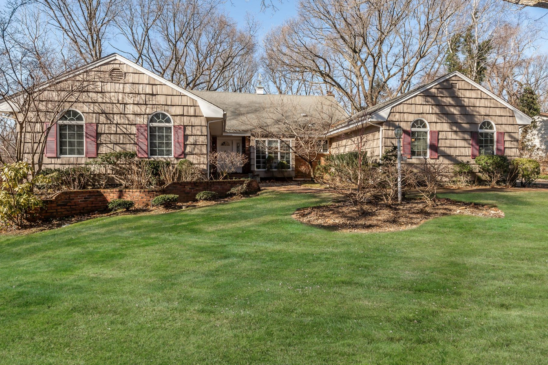 Single Family Homes for Active at East Hills 40 Mimosa Dr East Hills, New York 11576 United States