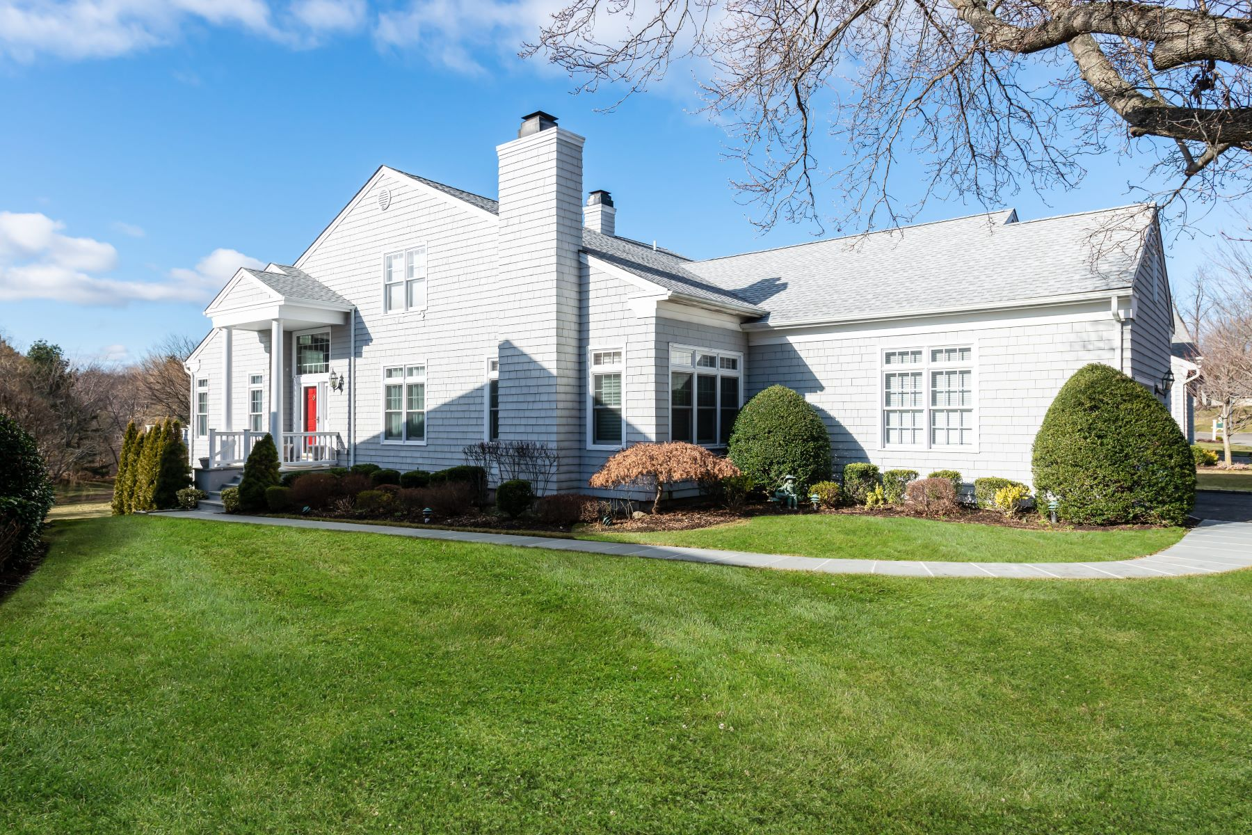 Single Family Homes for Active at Oyster Bay 13 Fieldstone Lane Oyster Bay, New York 11771 United States