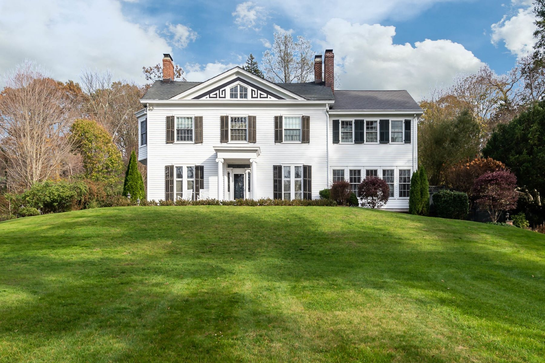 Single Family Homes for Sale at Oyster Bay Cove 197 Cove Road Oyster Bay Cove, New York 11771 United States