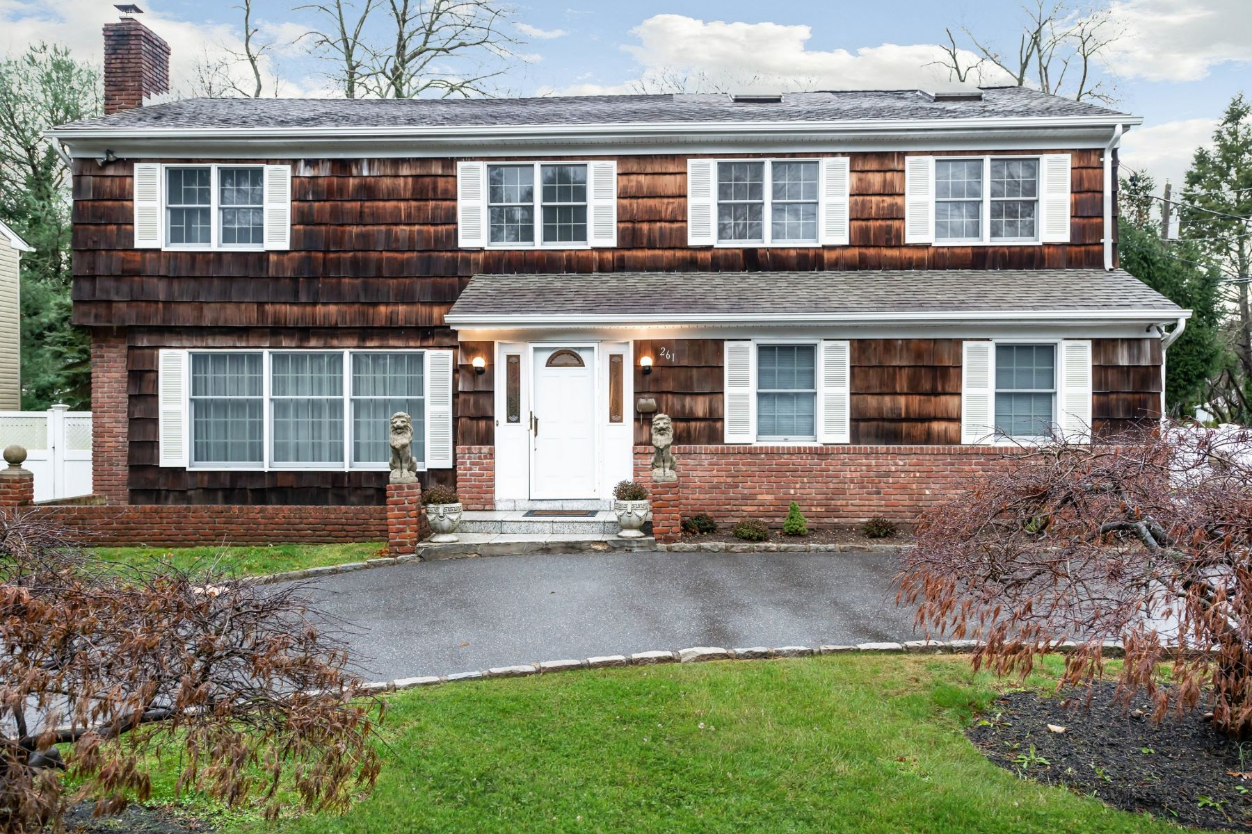 Single Family Homes for Active at Syosset 261 Berry Hill Road Syosset, New York 11791 United States