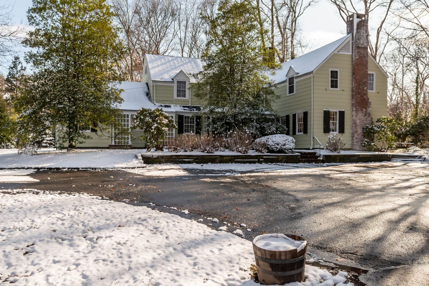 Single Family Homes for Sale at Cold Spring Hrbr 338 Woodbury Road Cold Spring Harbor, New York 11724 United States