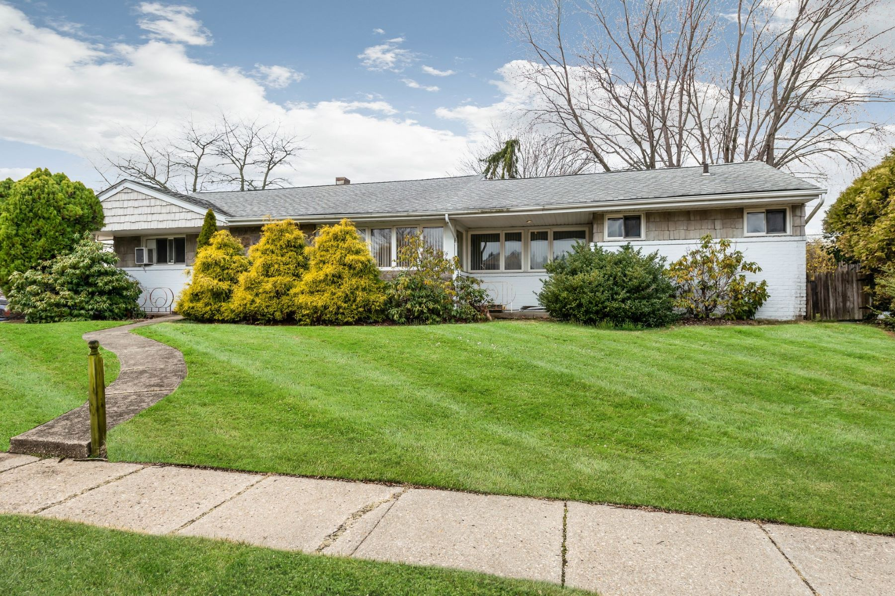Single Family Homes for Active at Bethpage 32 Phyllis Drive Bethpage, New York 11714 United States