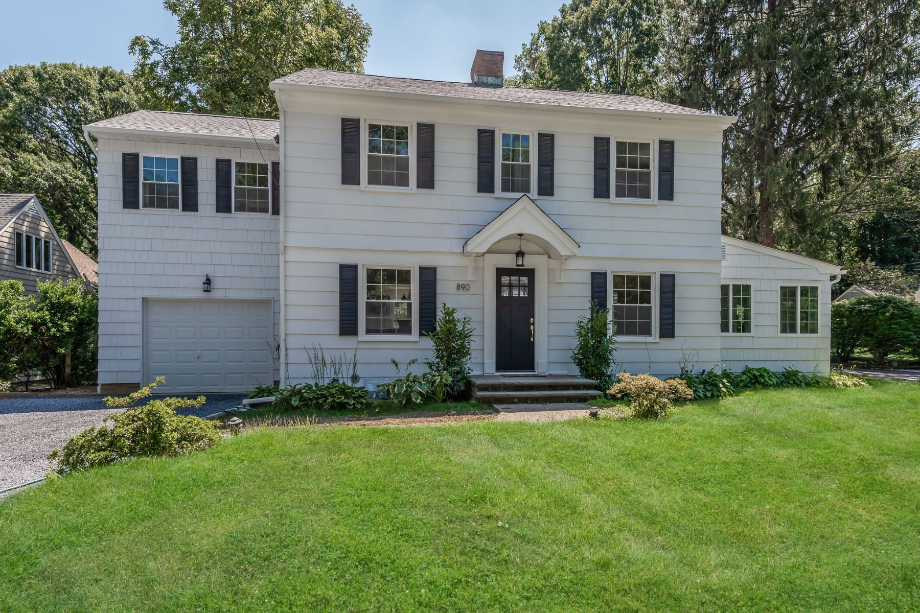 Single Family Homes for Active at Oyster Bay 890 Hilltop Rd Oyster Bay, New York 11771 United States
