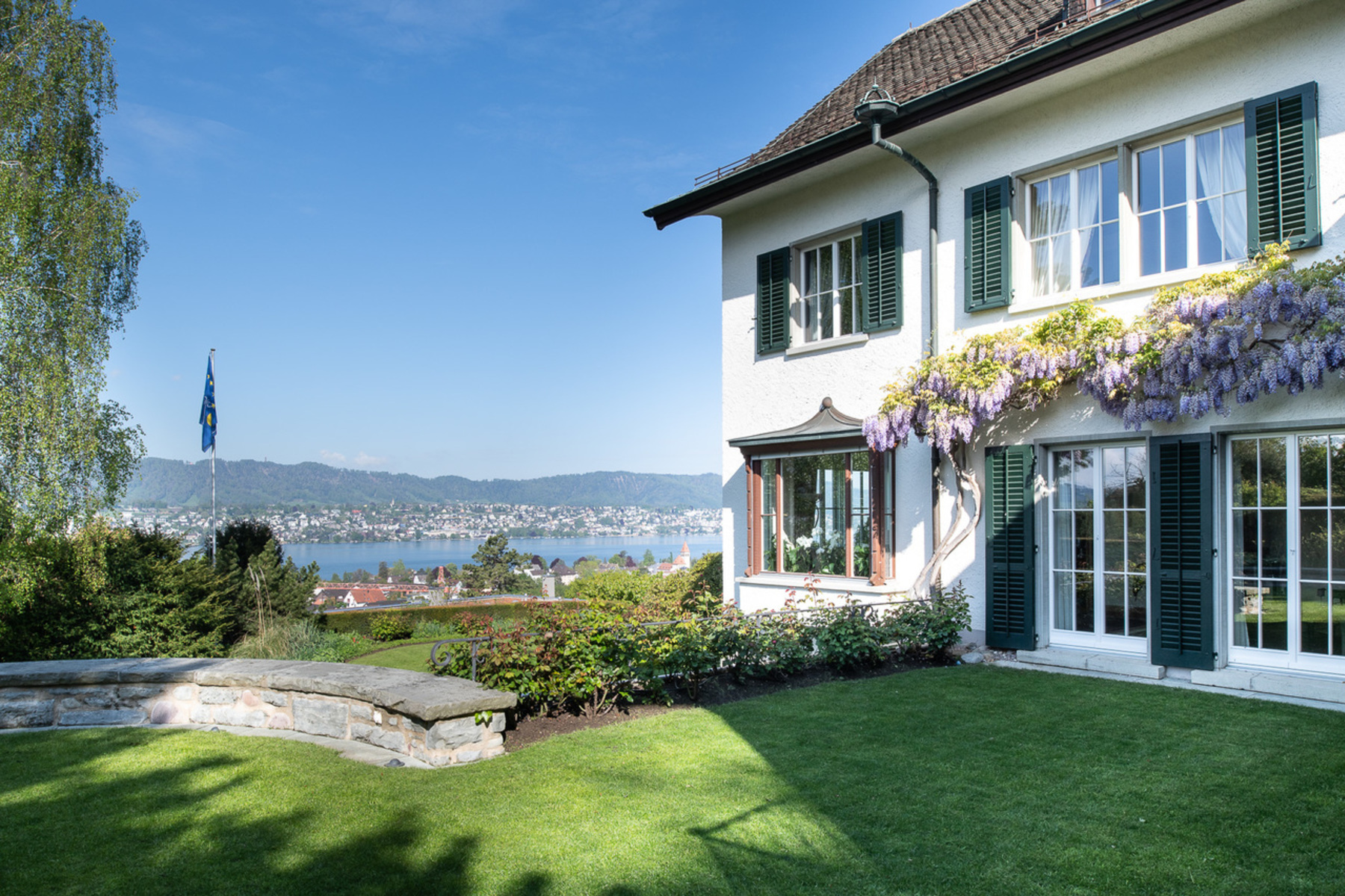 Additional photo for property listing at Country house villa with lake view an erhöhter Lage Other Zurich, Zurich 8700 Suiza