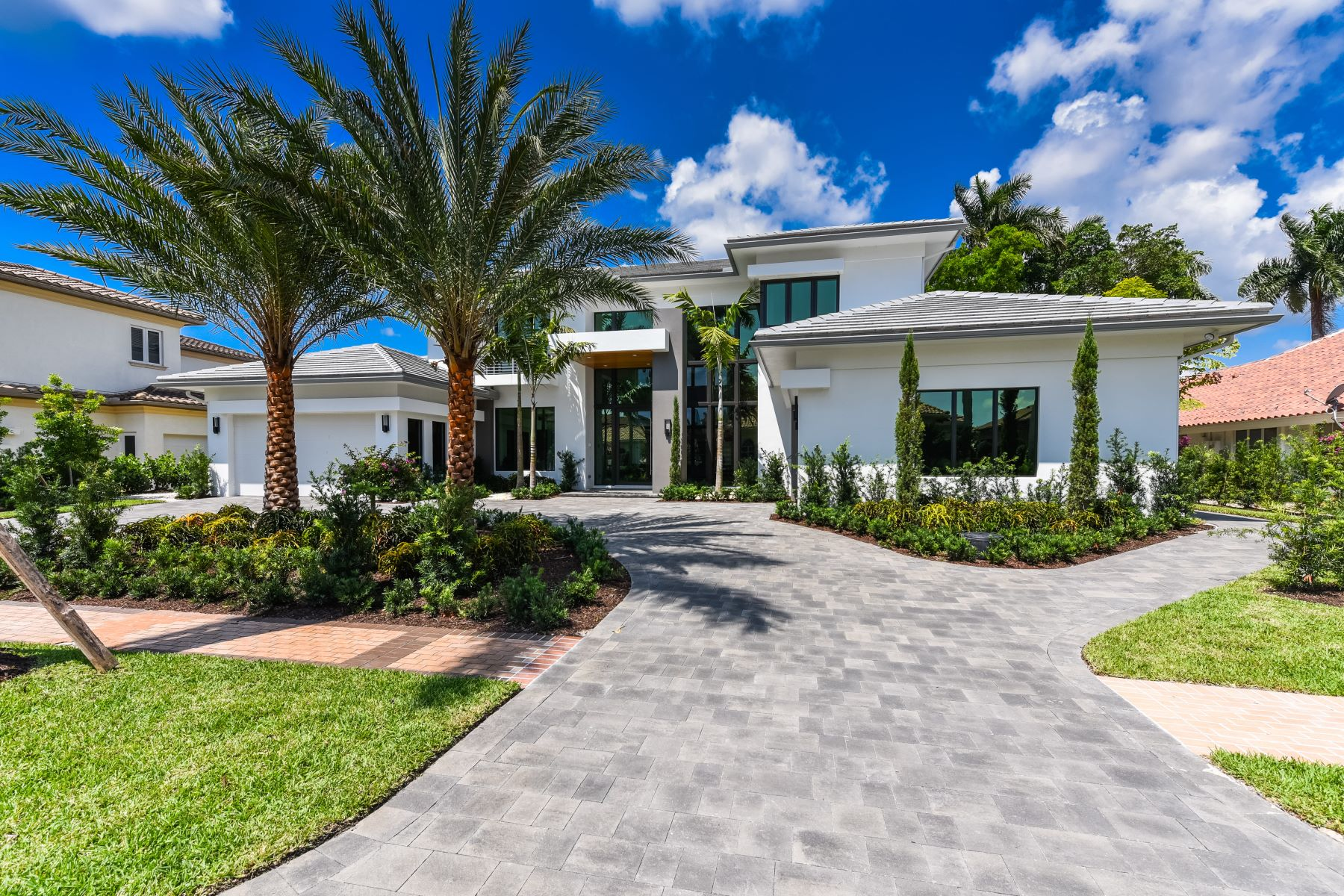 Single Family Homes per Vendita alle ore 17689 Scarsdale Way Boca Raton, Florida 33496 Stati Uniti