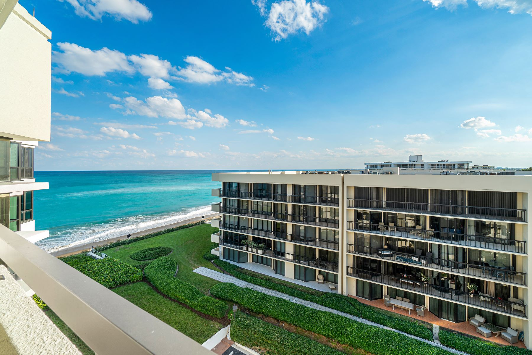 Condominiums for Active at 3120 S Ocean Boulevard 1-602 Palm Beach, Florida 33480 United States