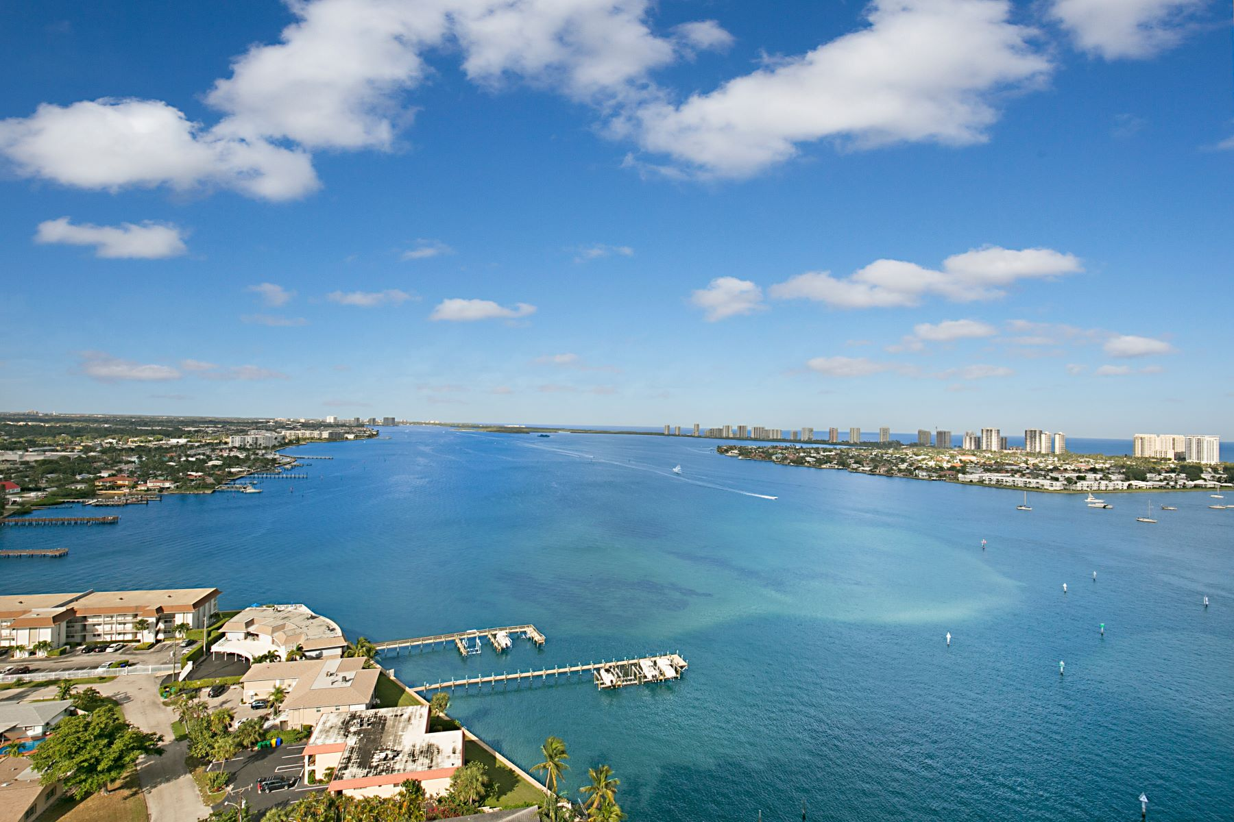Condominiums for Active at 2650 Lake Shore Drive 2203 Riviera Beach, Florida 33404 United States