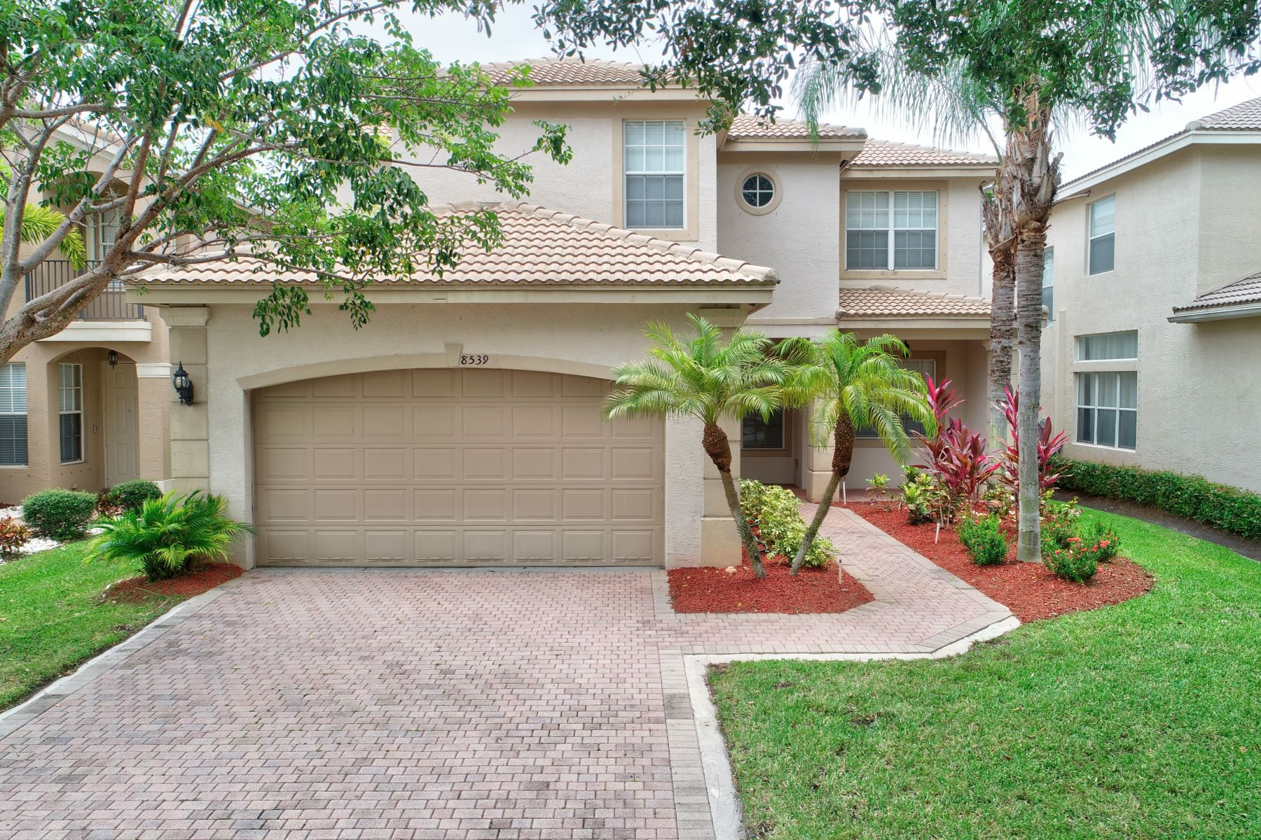 Single Family Homes para Venda às 8539 Woodgrove Harbor Lane Boynton Beach, Florida 33473 Estados Unidos